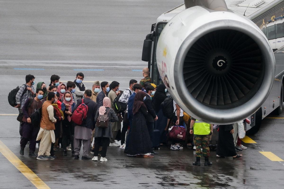Αφγανιστάν: Στη Βόρεια Μακεδονία οι πρώτοι 149 πρόσφυγες