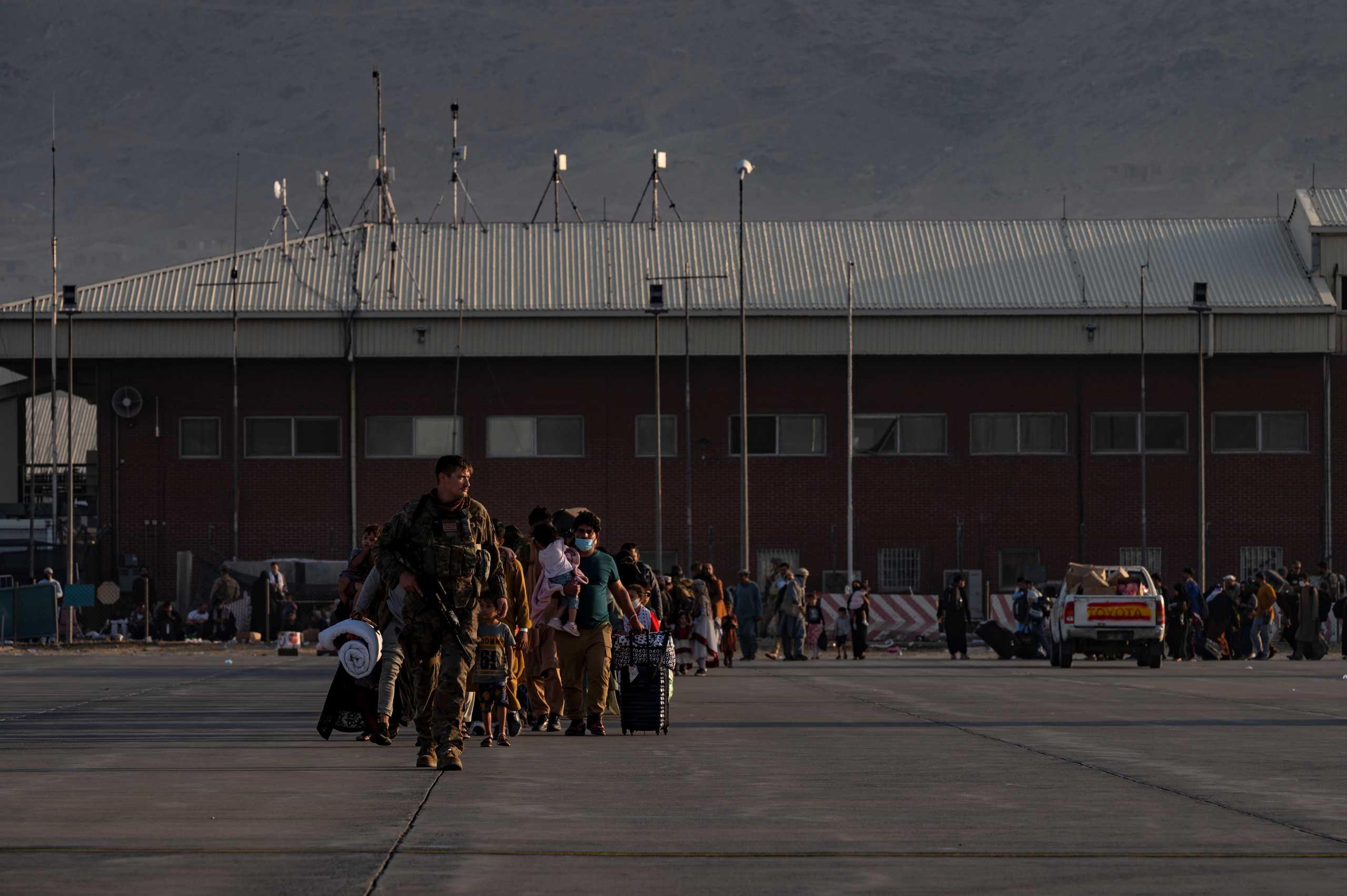 Αφγανιστάν: Σταματούν «τις επόμενες ώρες» οι επιχειρήσεις απεγκλωβισμού από την Ιταλία