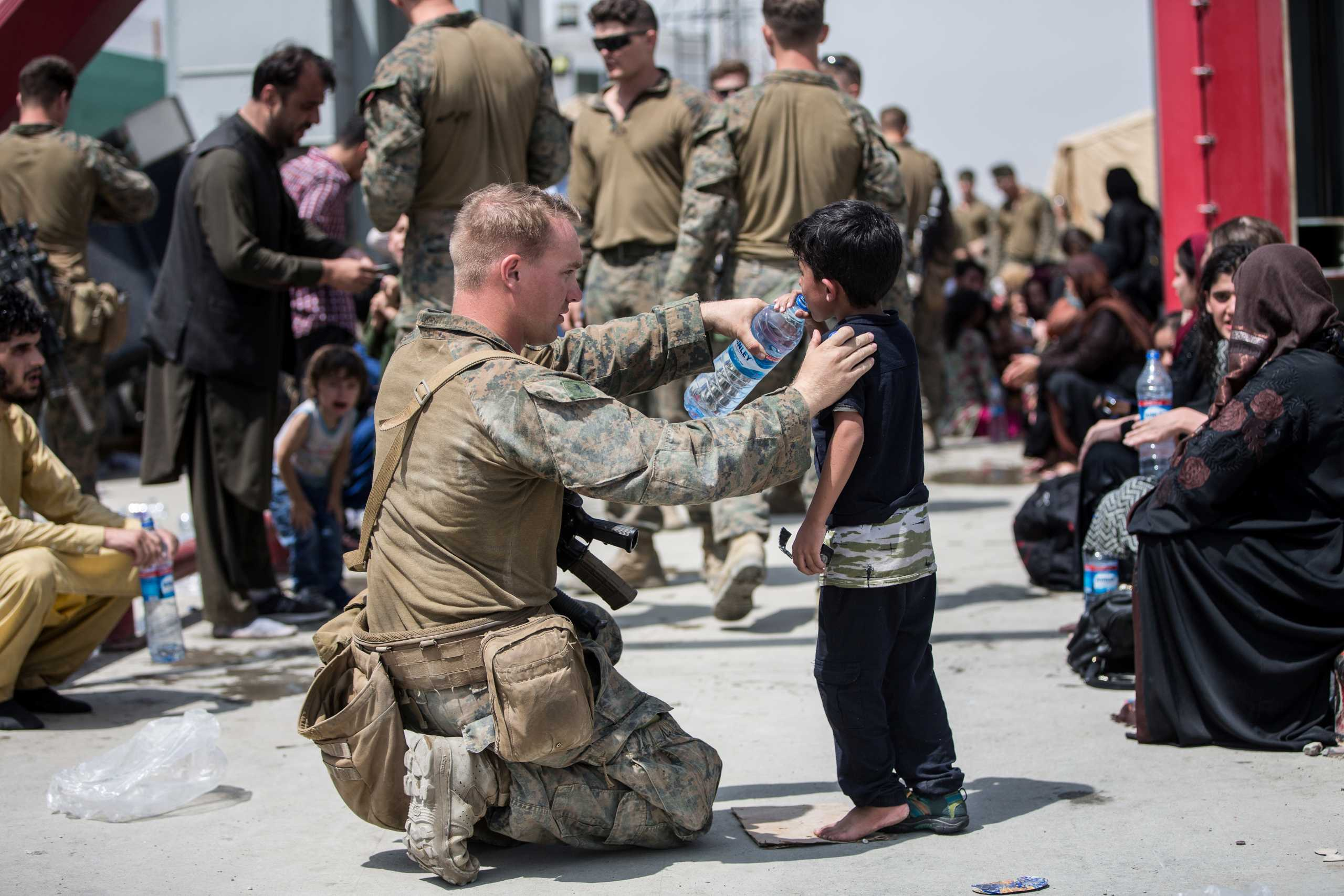 Αφγανιστάν: Οικογένειες της ελίτ οι Αφγανοί που εγκαταλείπουν τη χώρα