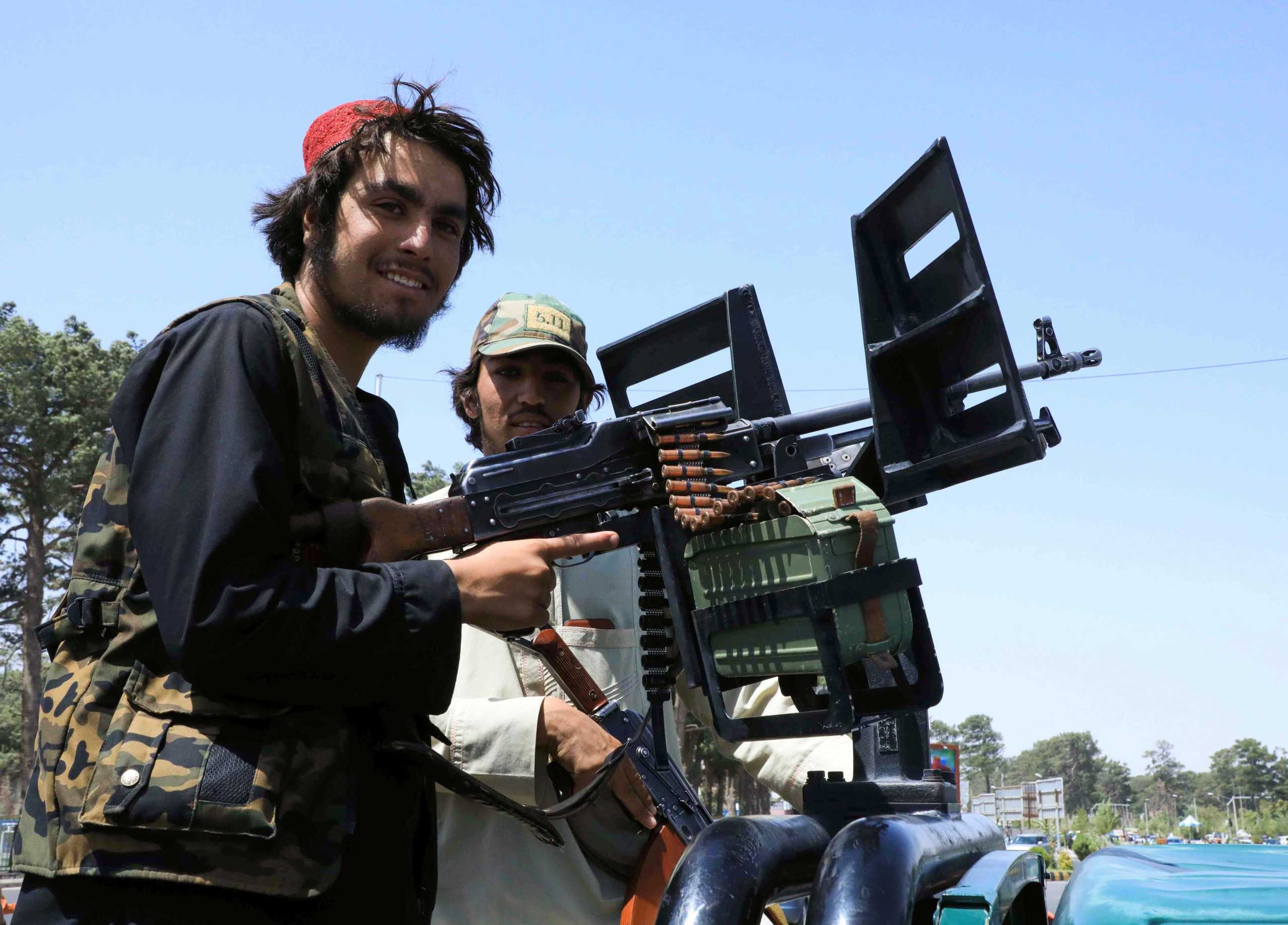 Αφγανιστάν: Συνωμοσία «βλέπει» ο επικεφαλής της Κεντρικής Τράπεζας – Διέφυγε με στρατιωτικό αεροπλάνο