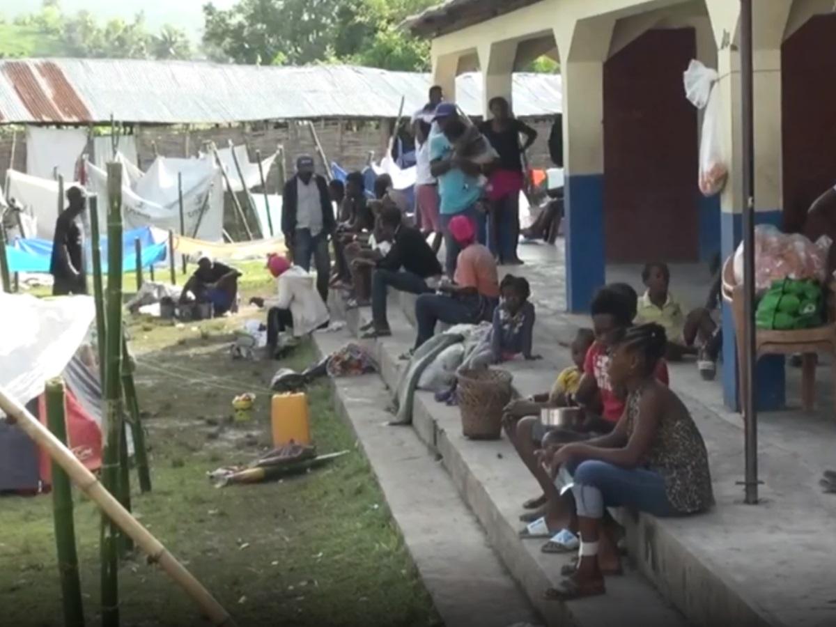 Σεισμός στην Αϊτή: Νέα ισχυρή δόνηση – Εγκατάλειψη καταγγέλλουν οι κάτοικοι – Δεν χρειαζόμαστε βοήθεια λέει η κυβέρνηση