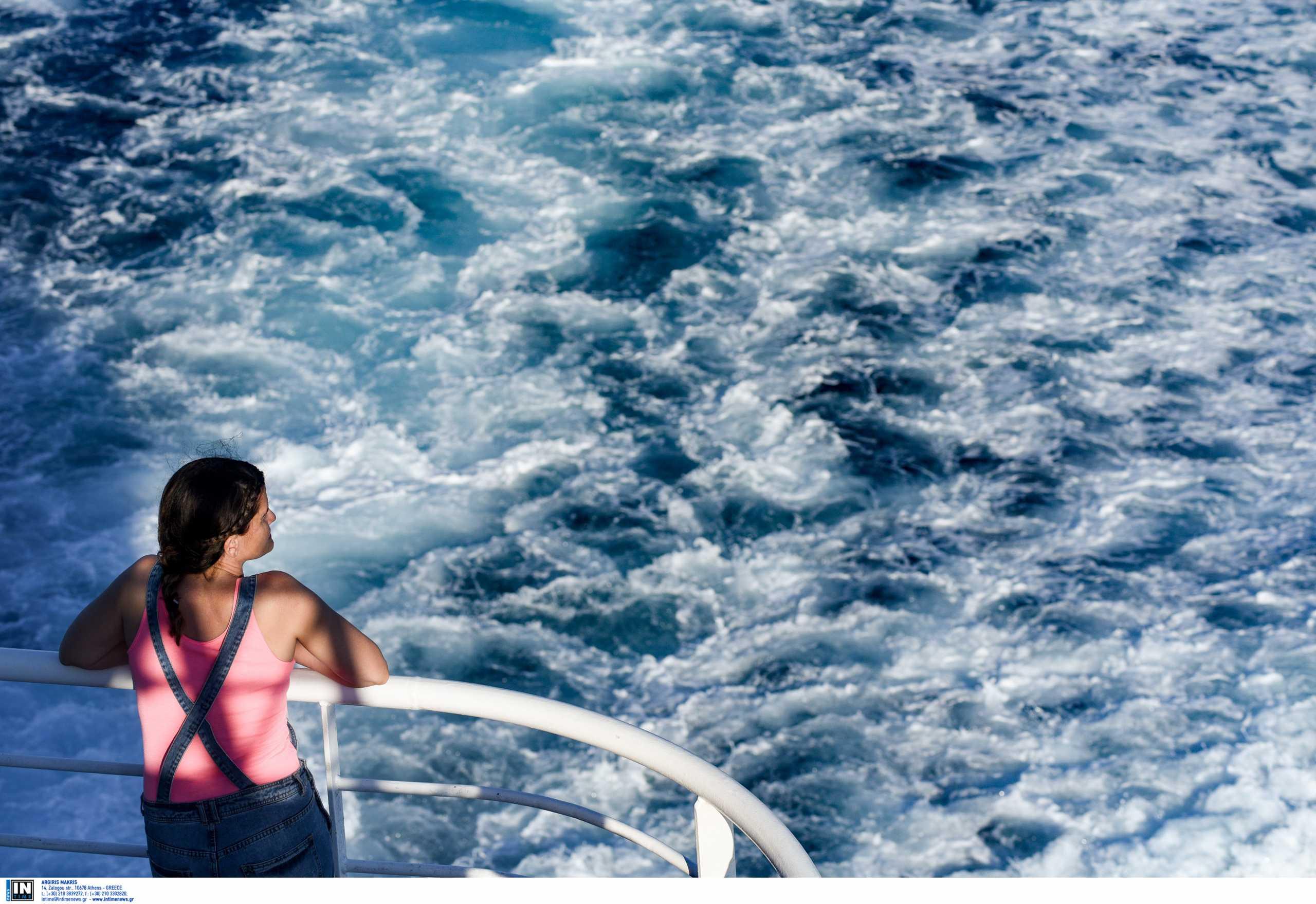 Βόλος: Τα απόνερα του πλοίου λίγο έλειψε να πνίξουν 12χρονο κορίτσι – Σκηνές πανικού σε παραλία
