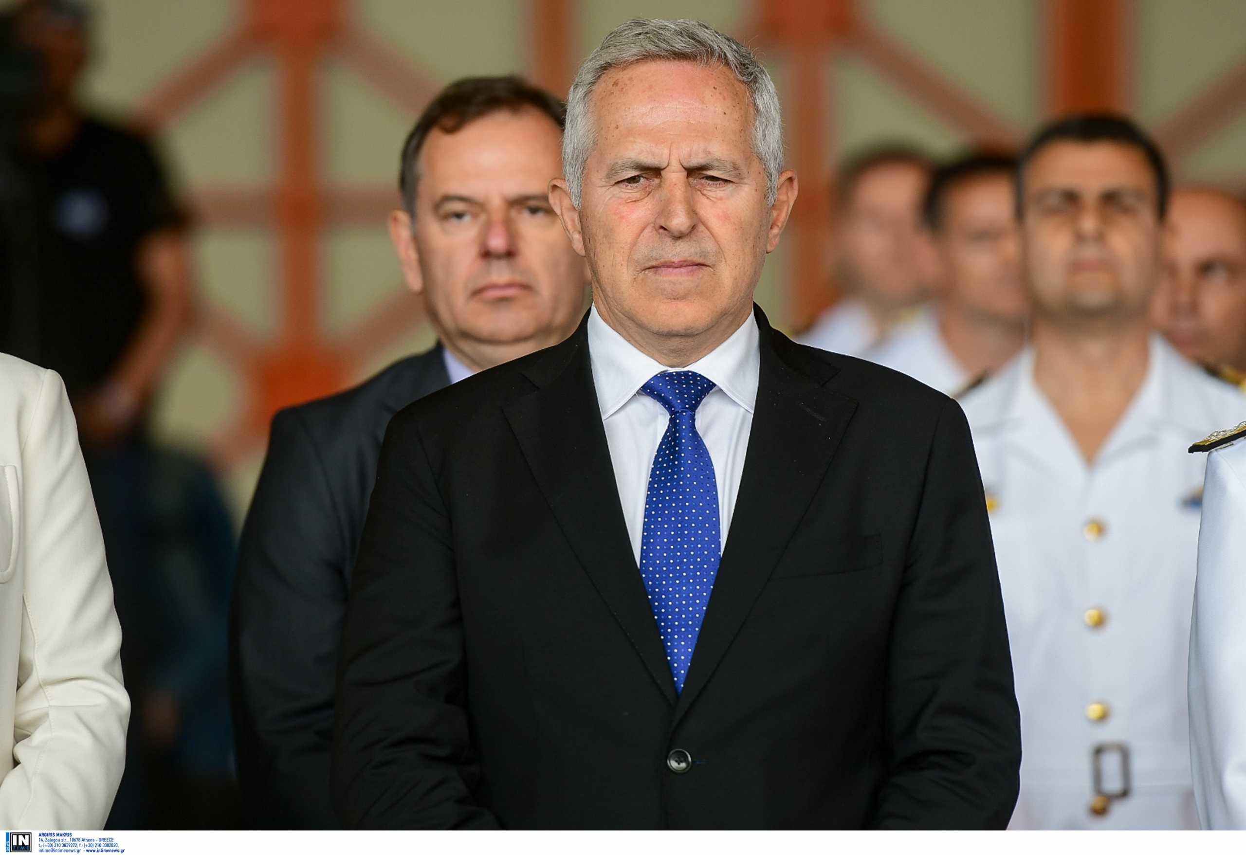 Μαξίμου για Ευάγγελο Αποστολάκη: Δείλιασε μπροστά στις απειλές του ΣΥΡΙΖΑ – Ενημέρωσε την Προεδρία ότι θα ορκιστεί κανονικά