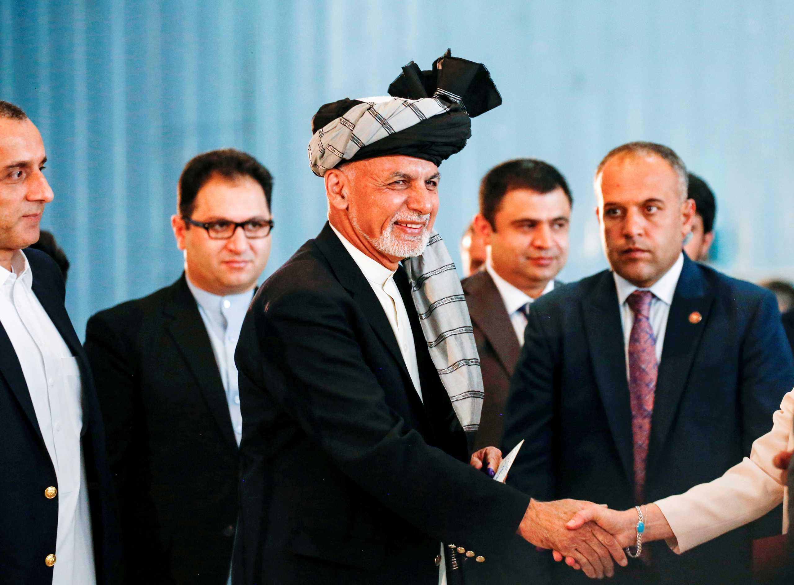 «Σήκωσε» το Αφγανιστάν κι έφυγε ο Γάνι: Πήρε αυτοκίνητα και ελικόπτερο γεμάτο μετρητά!