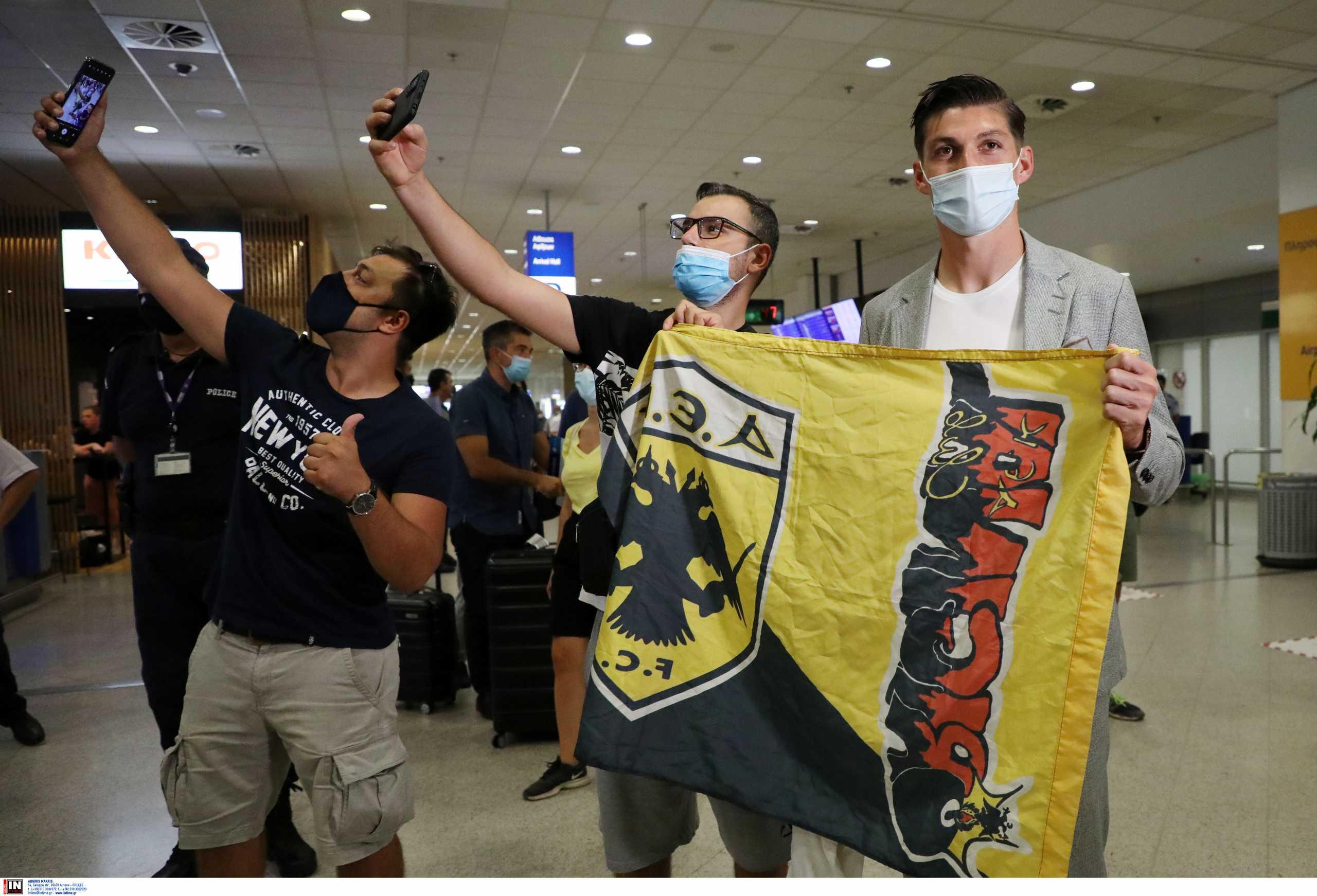 ΑΕΚ – Στην Ελλάδα ο Τσούμπερ: «Ο σύλλογος μου έδειξε πόσο σημαντικός είμαι για την ομάδα»