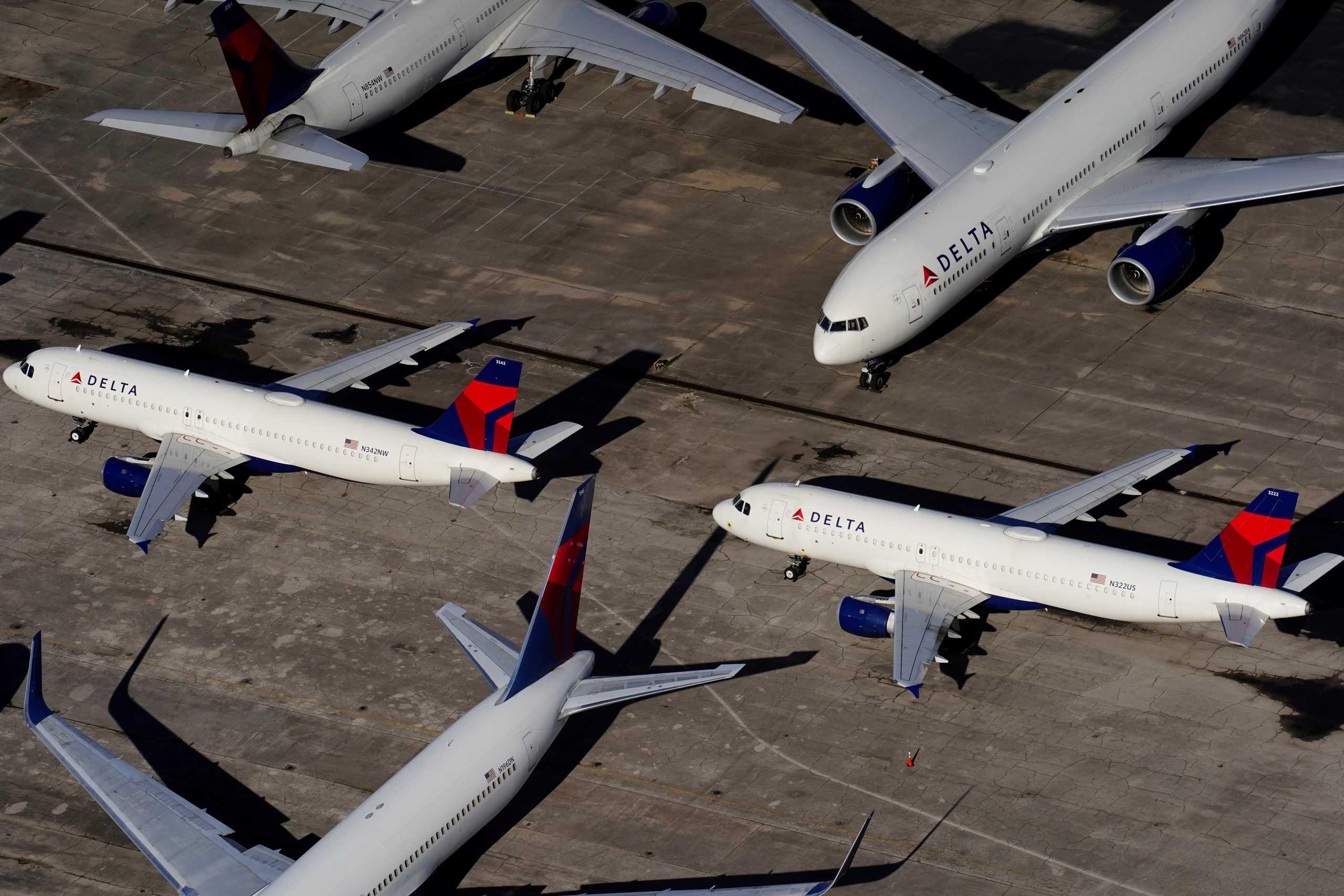 ΗΠΑ: Μόνο για πλήρως εμβολιασμένους οι νέες προσλήψεις από την Delta Air Lines