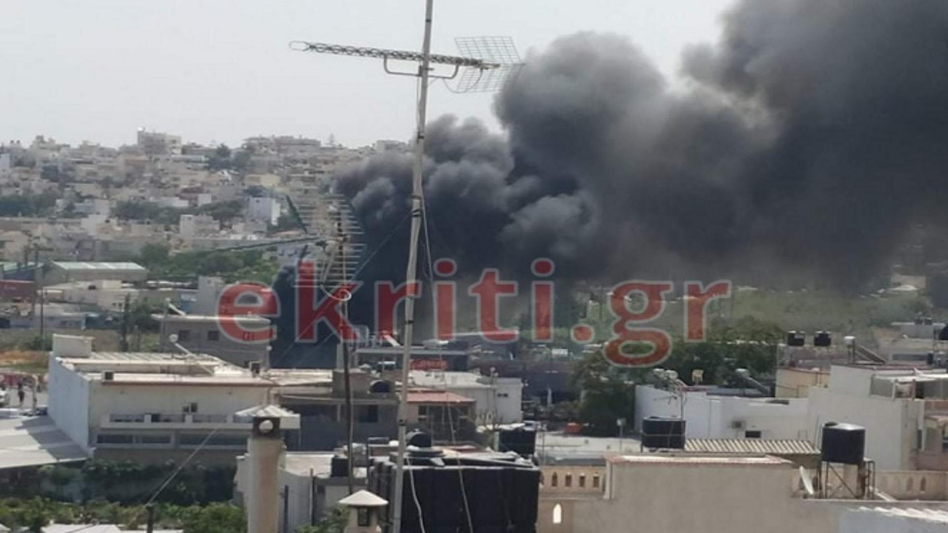 Φωτιά στην Κρήτη κοντά σε βενζινάδικο