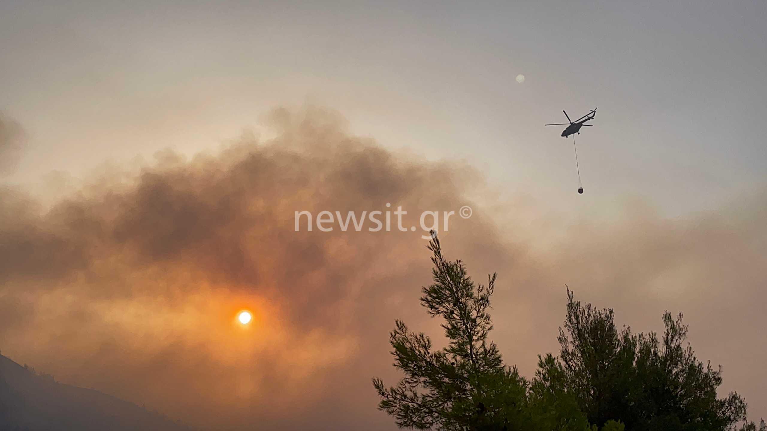 Φωτιά στην Εύβοια: Εκκένωση άλλων τριών χωριών – Χτυπούν καμπάνες για να εγκαταλείψουν οι κάτοικοι τα σπίτια