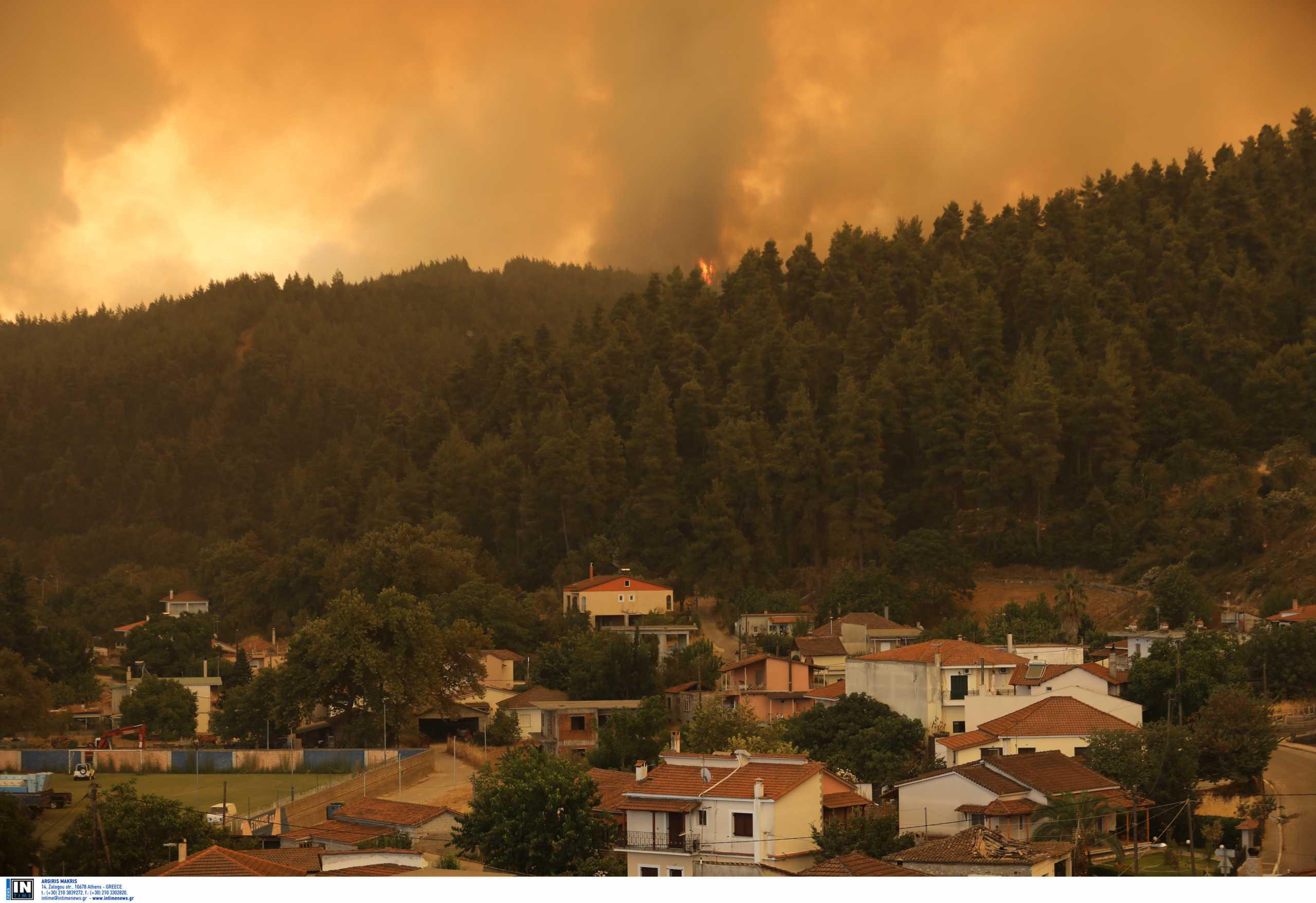 Φωτιά στην Εύβοια: Στο πλευρό των πληγέντων η Σκιάθος – Φιλοξενούνται πυρόπληκτοι, στέλνονται τρόφιμα