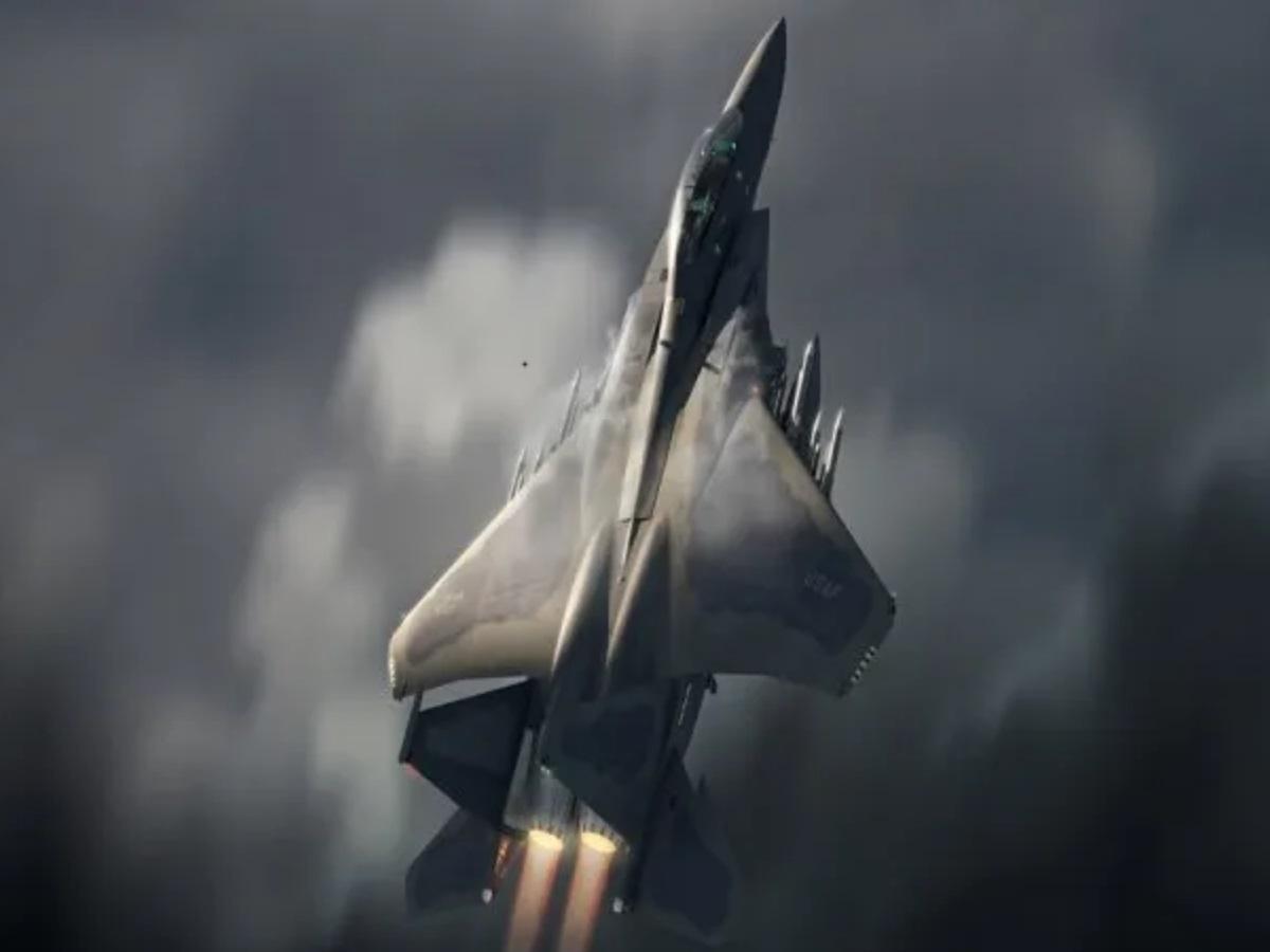 «Η Ουκρανία να ξεχάσει τα F-35 και να πάρει F-15EX» λέει πρώην στέλεχος της Antonov