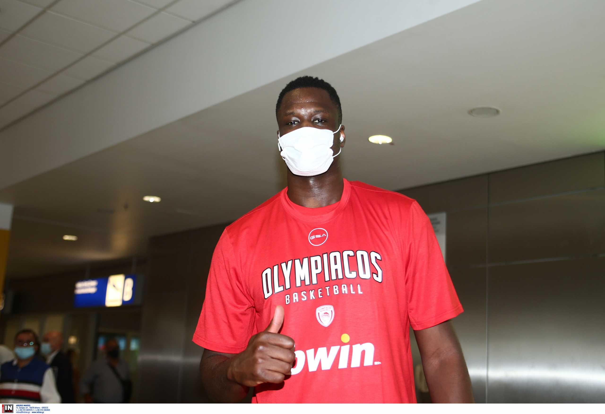 Μουσταφά Φαλ: «Ελάτε στο γήπεδο, φέτος η σεζόν θα είναι πολύ καλή για τον Ολυμπιακό»