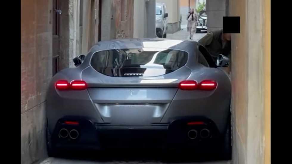 Αυτό το βίντεο μας διδάσκει ότι οι Ferrari δεν κάνουν για όλους τους δρόμους! (video)