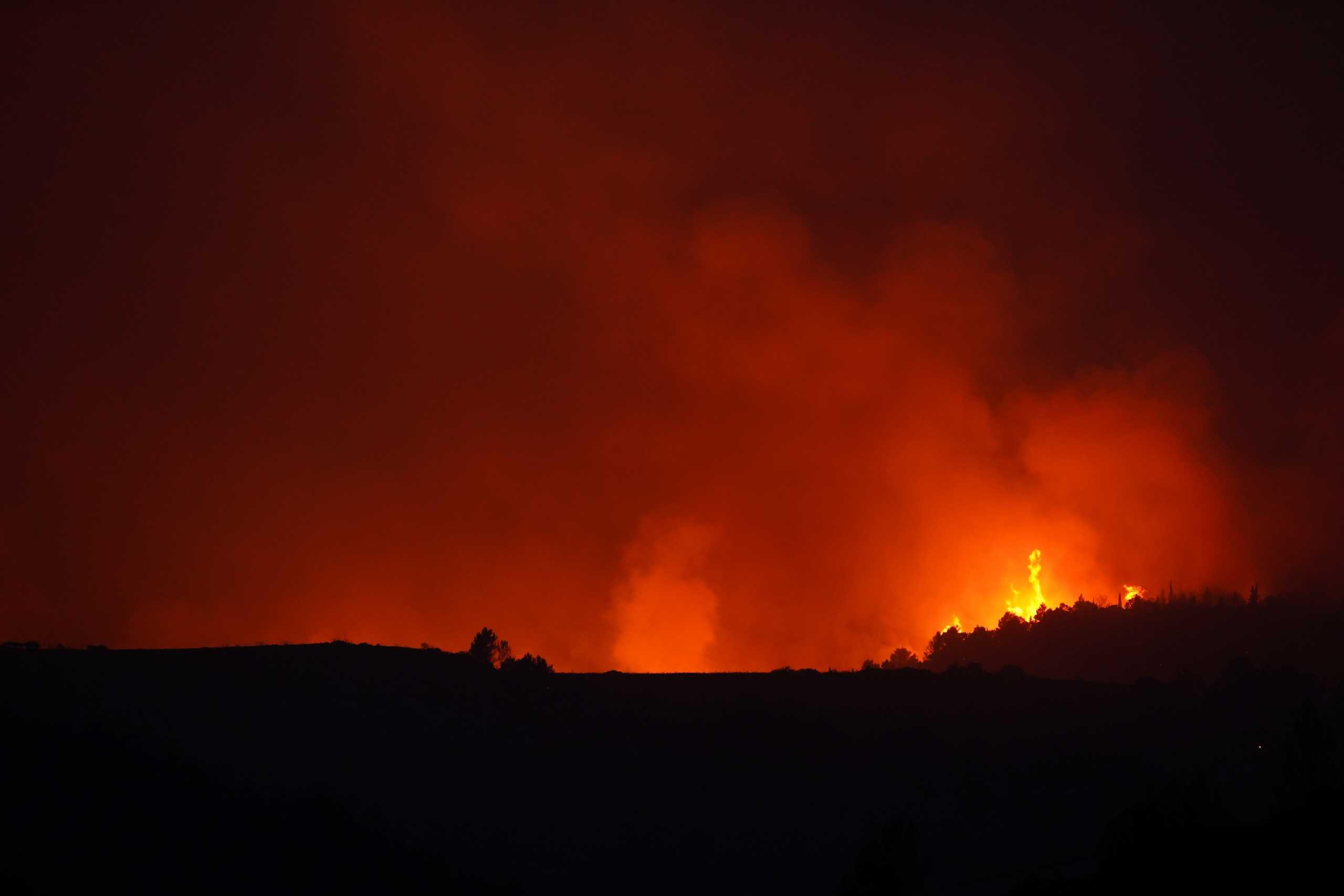 Μεγάλη φωτιά στην Γαλλία: Μάχη για 650 πυροσβέστες στη Βαρ