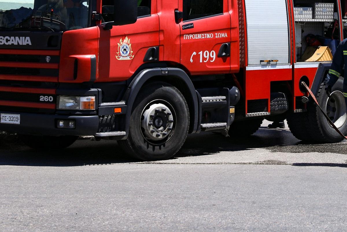 Κατερίνη: Φωτιά σε αποθήκη έκαψε 40 τόνους ρίγανης