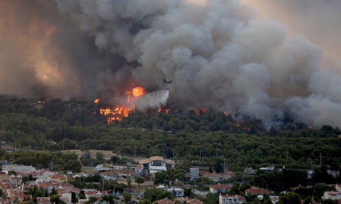 Φωτιές στην Πελοπόννησο: 24 άτομα σε νοσοκομεία