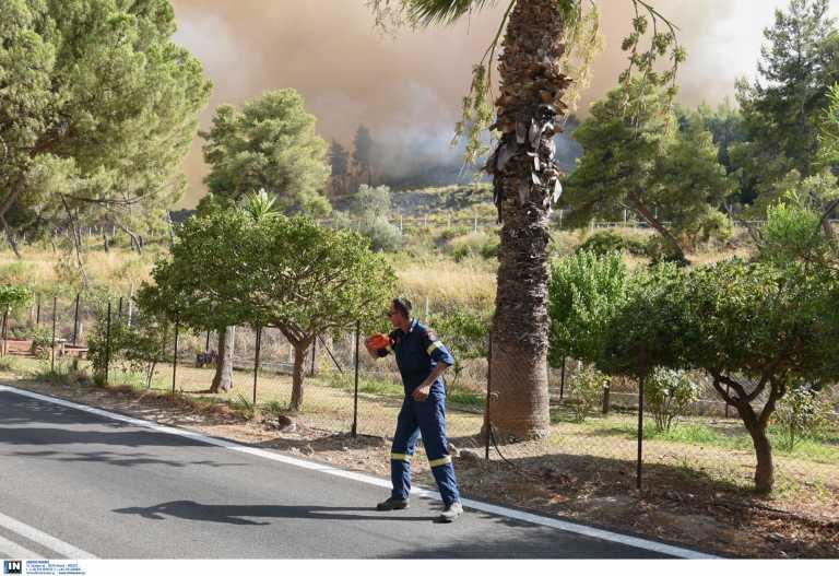 Φωτιά στην Αχαΐα: Αποκαταστάθηκε η κίνηση στην εθνική οδό Πατρών – Κορίνθου