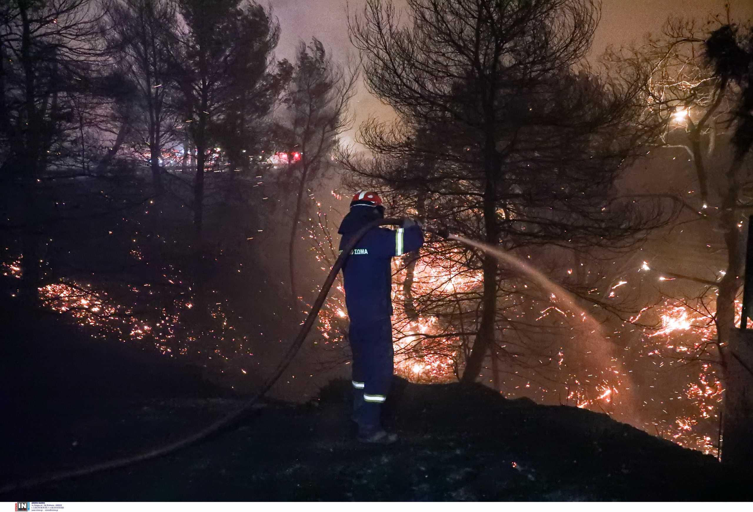 Ξεσπούν οι πυροσβέστες: «Εμείς κάνουμε το καθήκον μας, κάνετε κι εσείς το δικό σας»