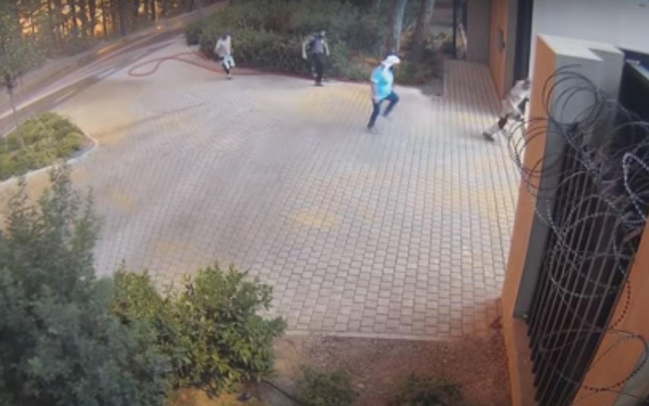 Φωτιά στη Βαρυμπόμπη: Βίντεο από τη μάχη με τον πύρινο εφιάλτη στο Tatoi Club
