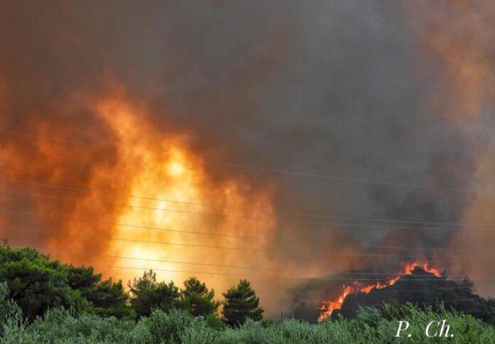 «Πολιορκούν» τη χώρα οι φωτιές – Η αναλυτική ενημέρωση της Πυροσβεστικής για τα πύρινα μέτωπα
