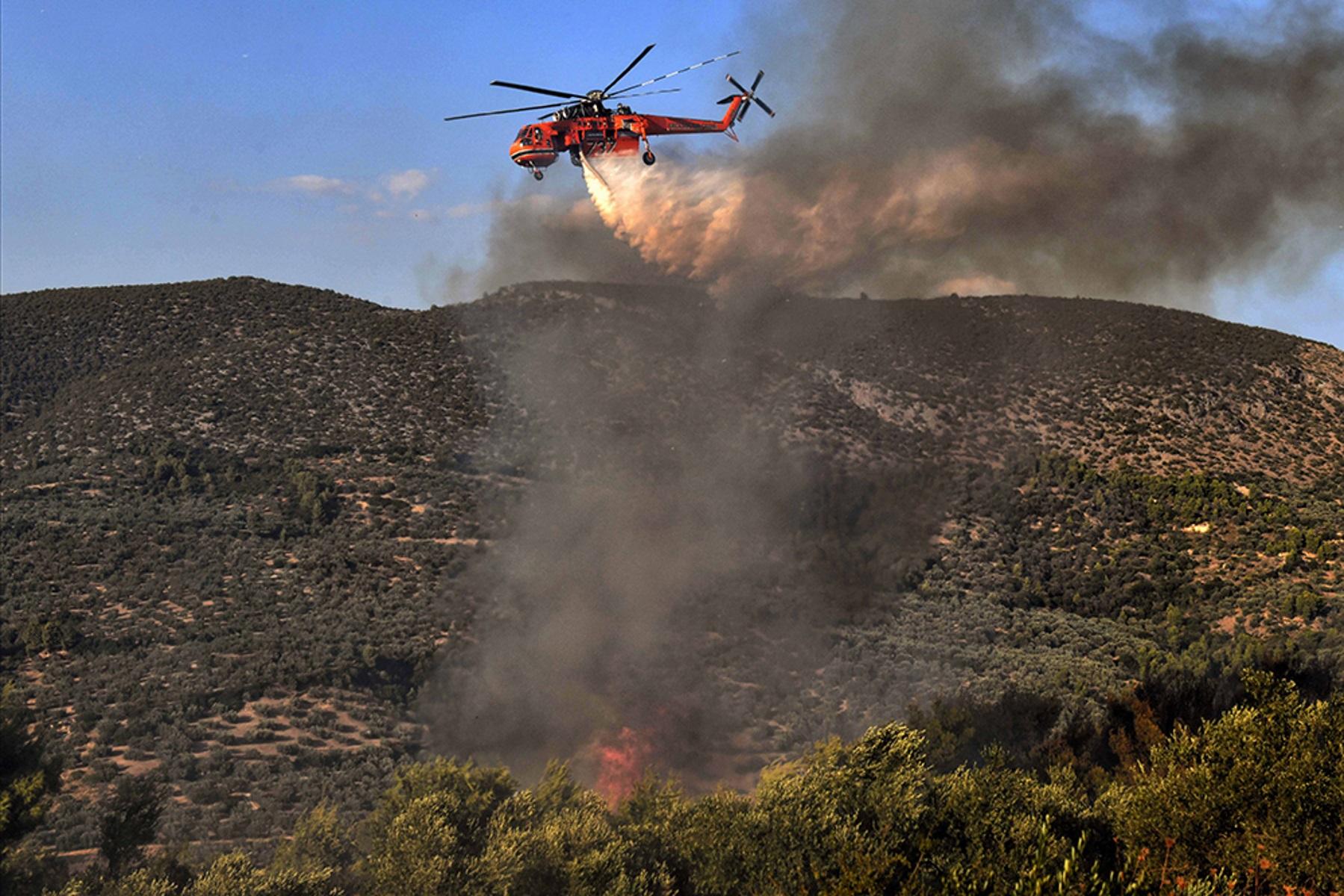 Φωτιά στη Μάνη: Εκκενώνεται το Γύθειο
