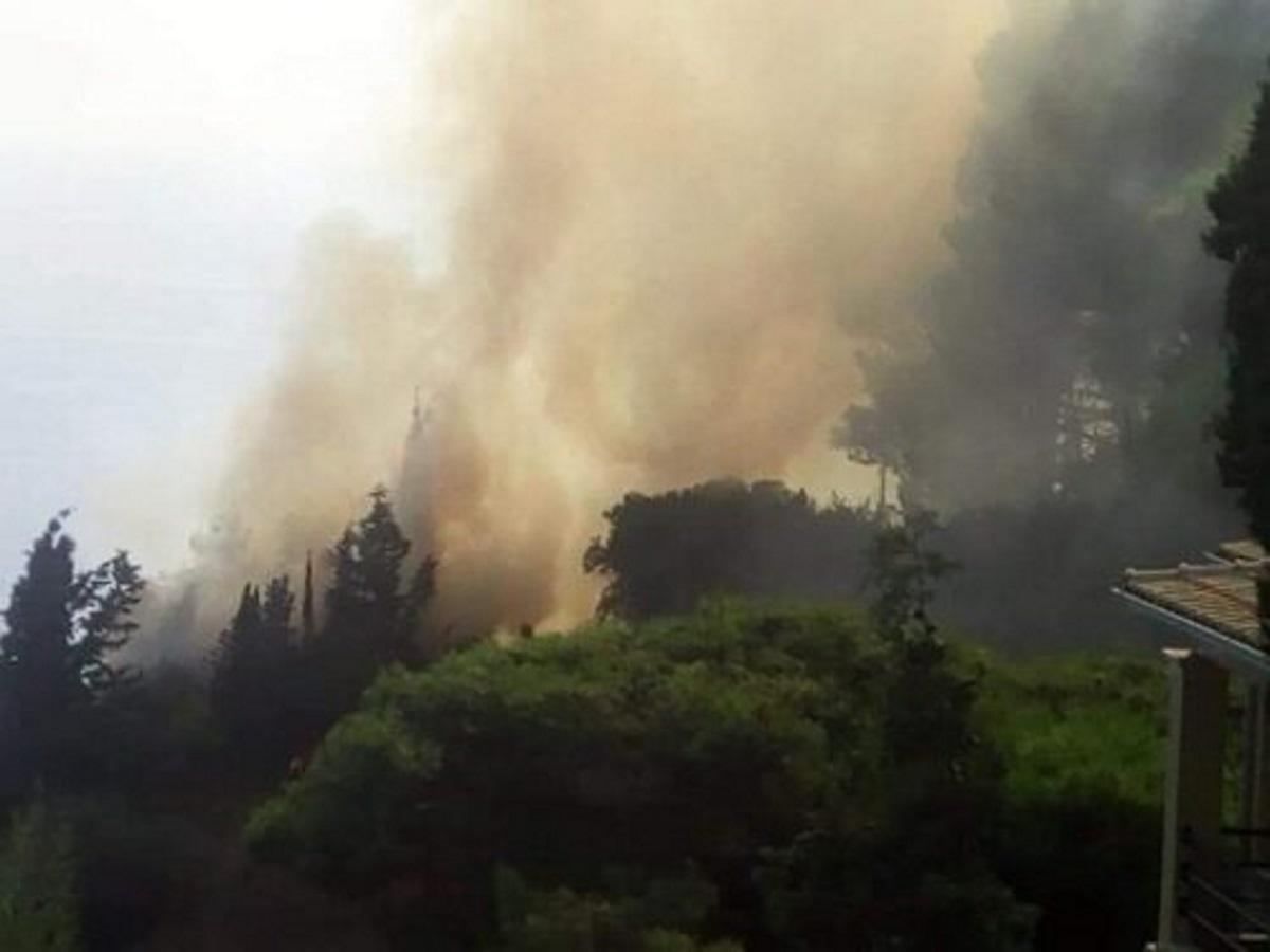Κέρκυρα: Χωρίς ενεργό μέτωπο η φωτιά στους Σιναράδες