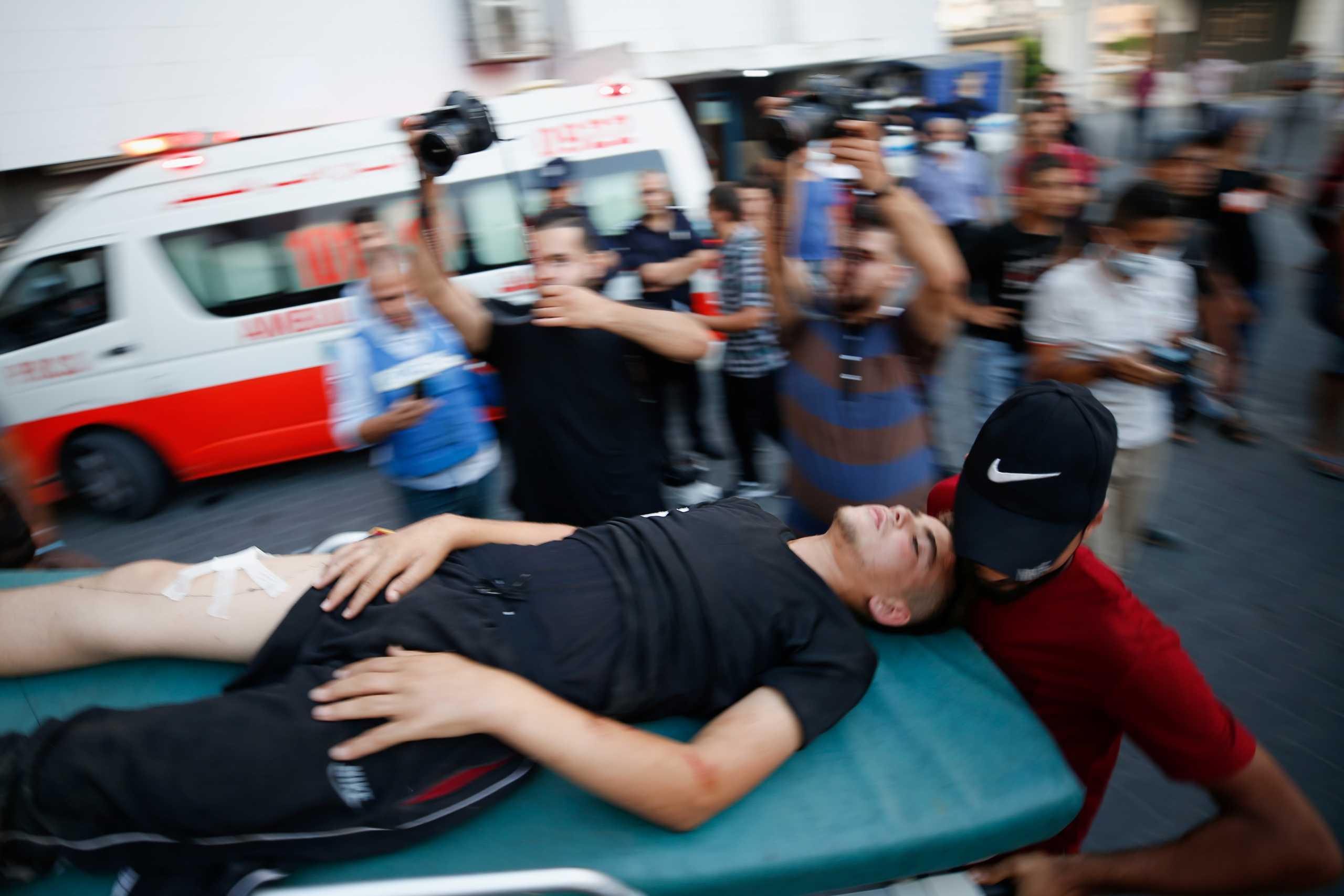 Αιματηρά επεισόδια στον φράκτη που χωρίζει Ισραήλ και Γάζα – 41 Παλαιστίνιοι τραυματίες