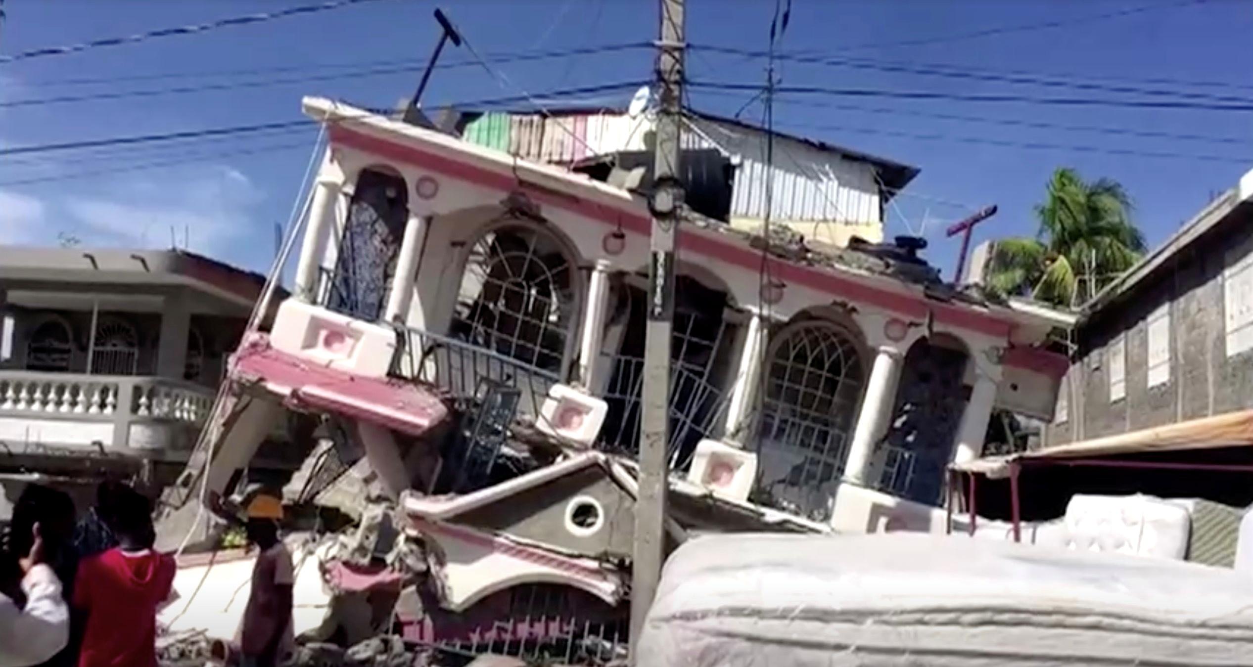 Σεισμός στην Αϊτή: 227 οι νεκροί – Εκατοντάδες τραυματίες και αγνοούμενοι