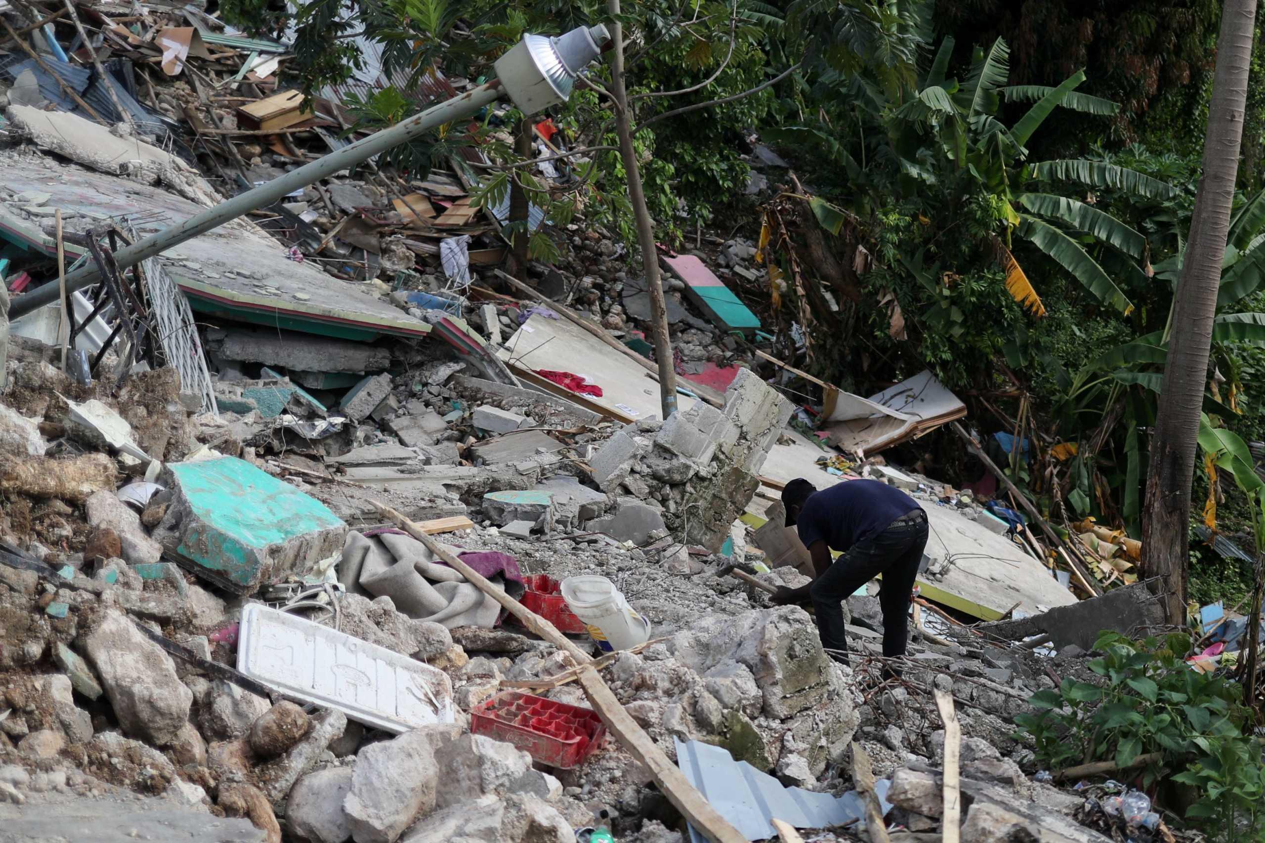 Σεισμός στην Αϊτή: Πάνω από 2.200 οι νεκροί –Συνεχίζονται οι επιχειρήσεις στα συντρίμμια