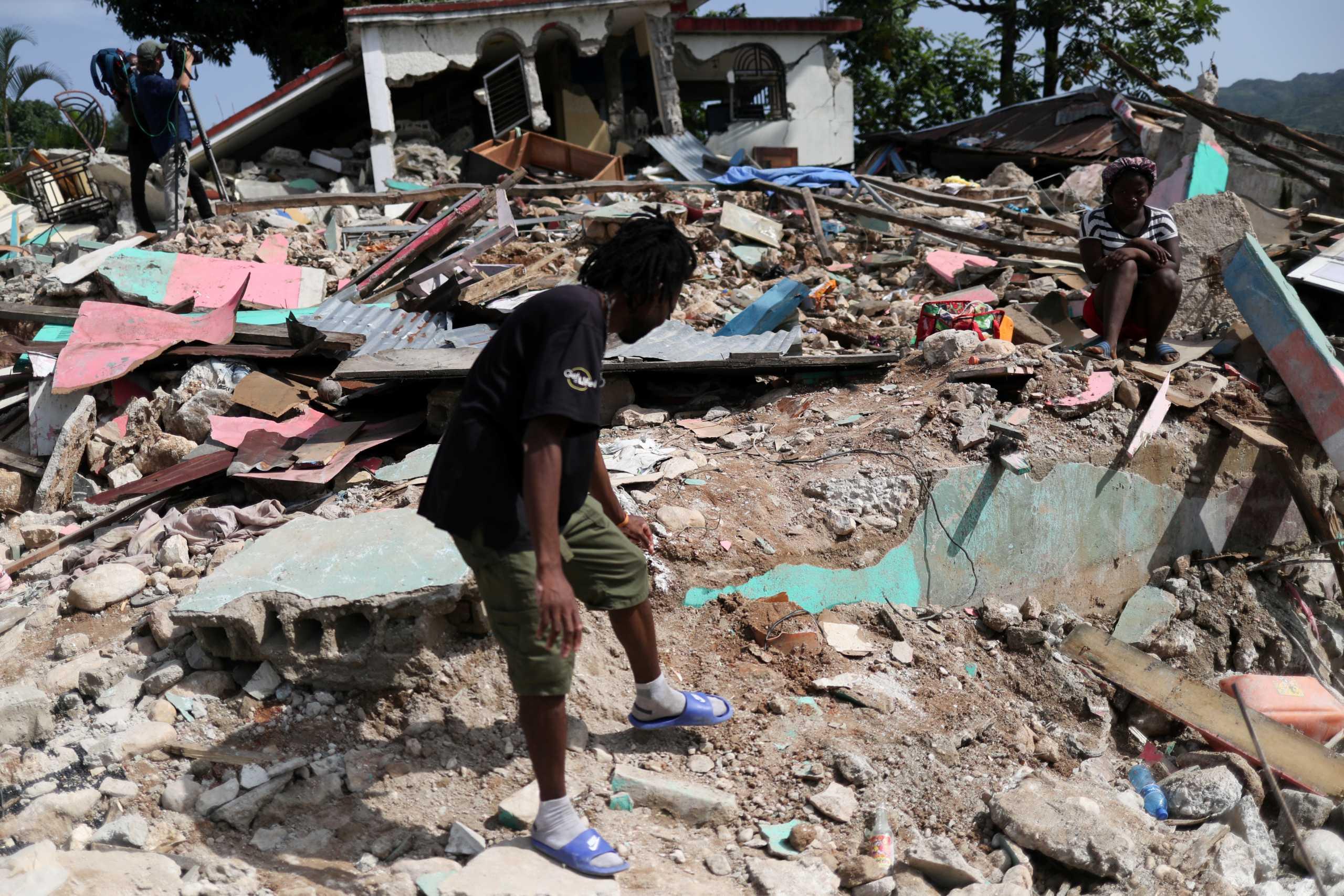 Σεισμός στην Αϊτή: Τουλάχιστον 2.248 νεκροί και 329 αγνοούμενοι