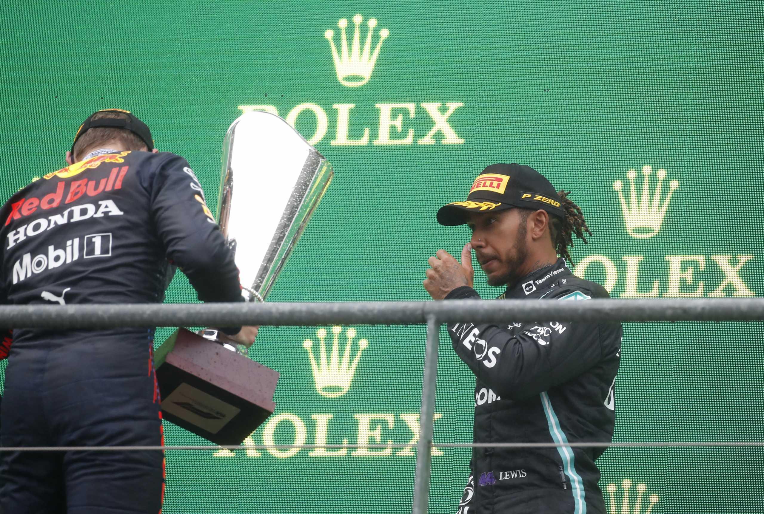 Formula 1 – Δεν «μάσησε» τα λόγια του ο Χάμιλτον: «Λάθος απόφαση, μίλησε το χρήμα»