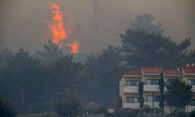 Υπουργείο Υγείας: Οδηγίες για την ασφαλή επιστροφή στο σπίτι των πληγέντων από τις πυρκαγιές