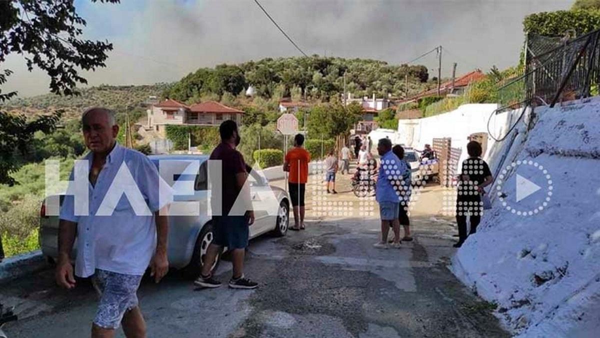 Φωτιά στην Ηλεία: Πλησιάζουν το χωριό Βαρβάσαινα οι φλόγες – Αρνούνται να φύγουν οι κάτοικοι