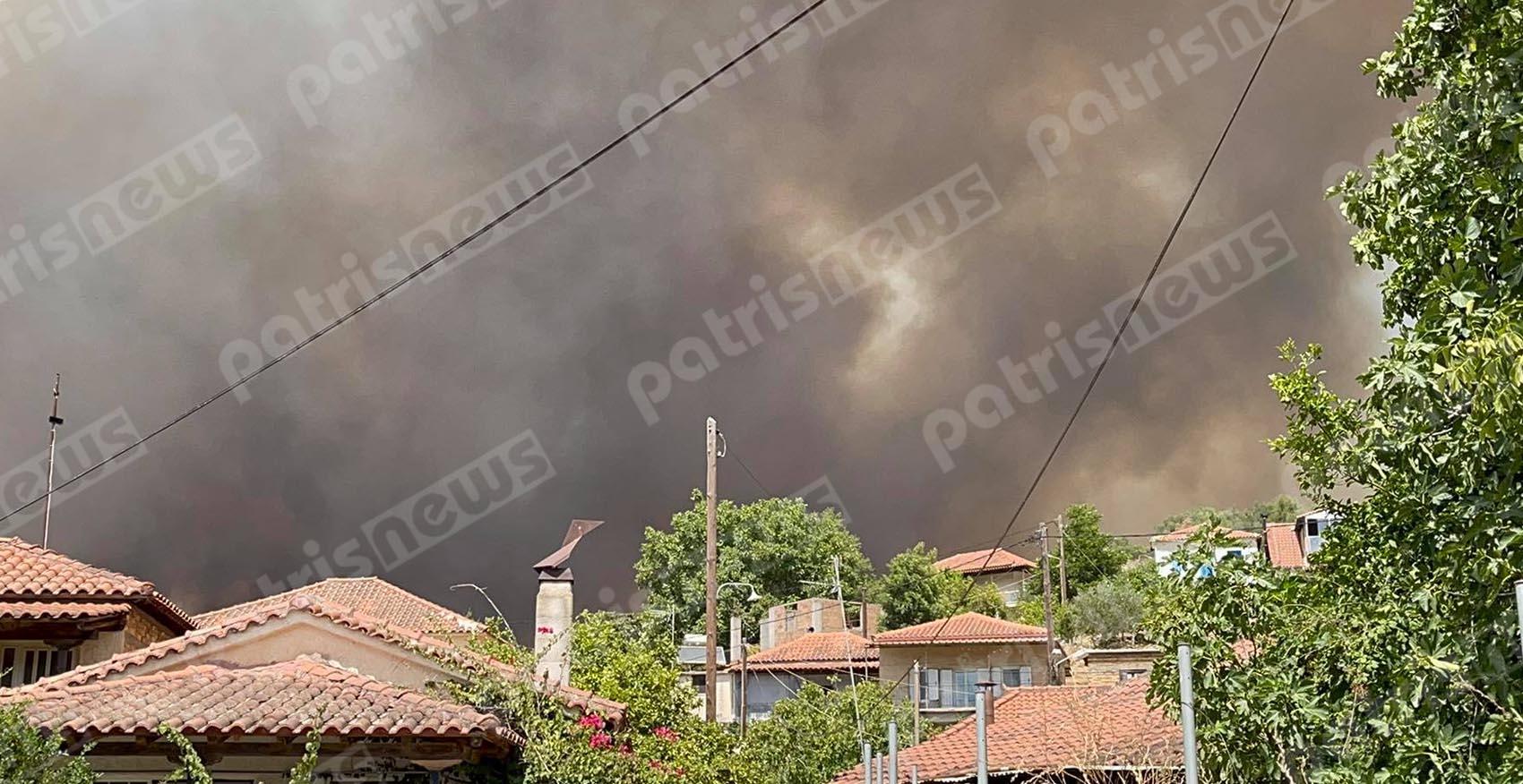 Καίγεται η Ηλεία – Εκκενώνονται περιοχές και η φωτιά πάει προς Ολυμπία