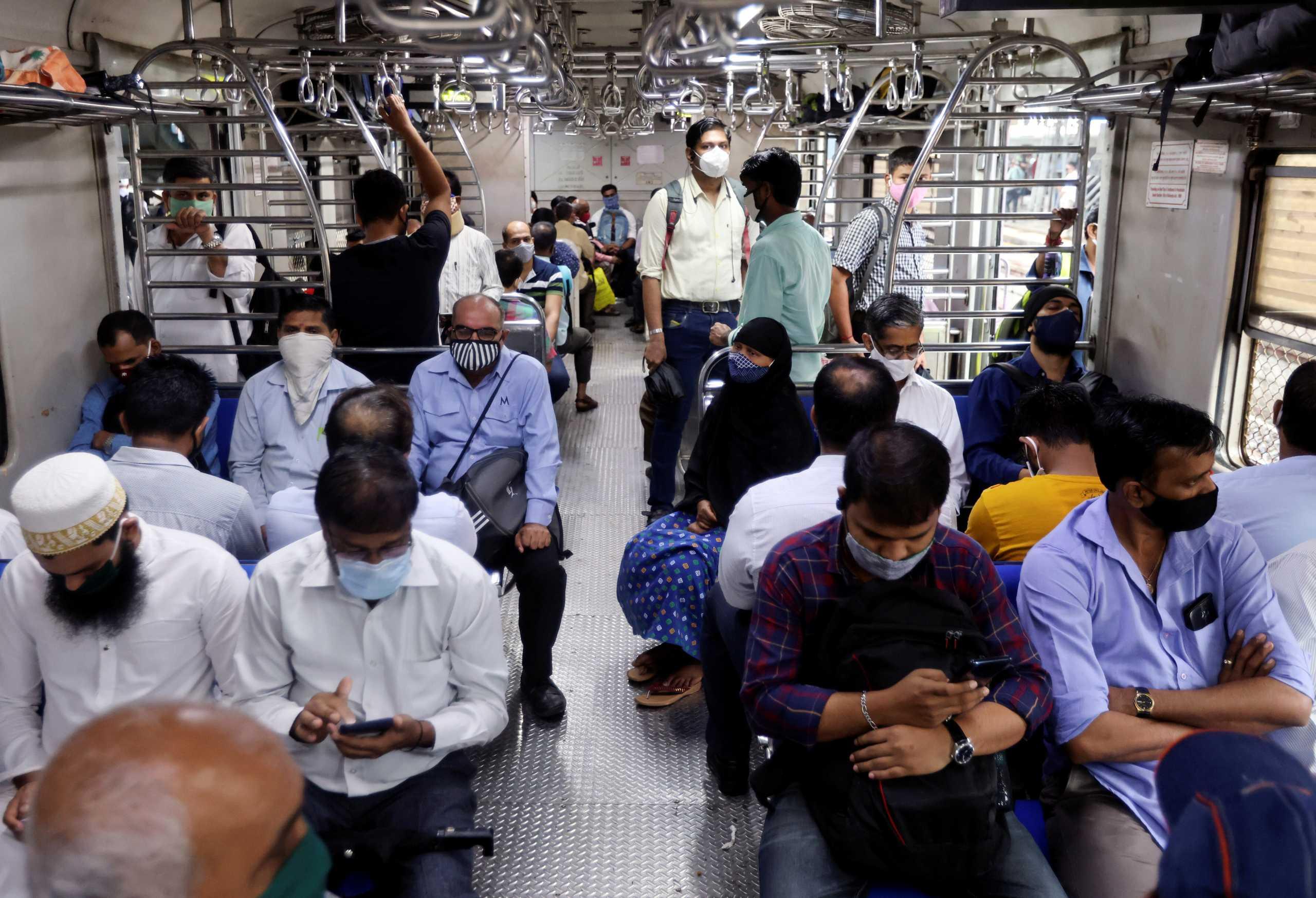 Ο κορονοϊός συνεχίζει να «σφυροκοπά» την Ινδία: 350 νεκροί και 30.941 κρούσματα