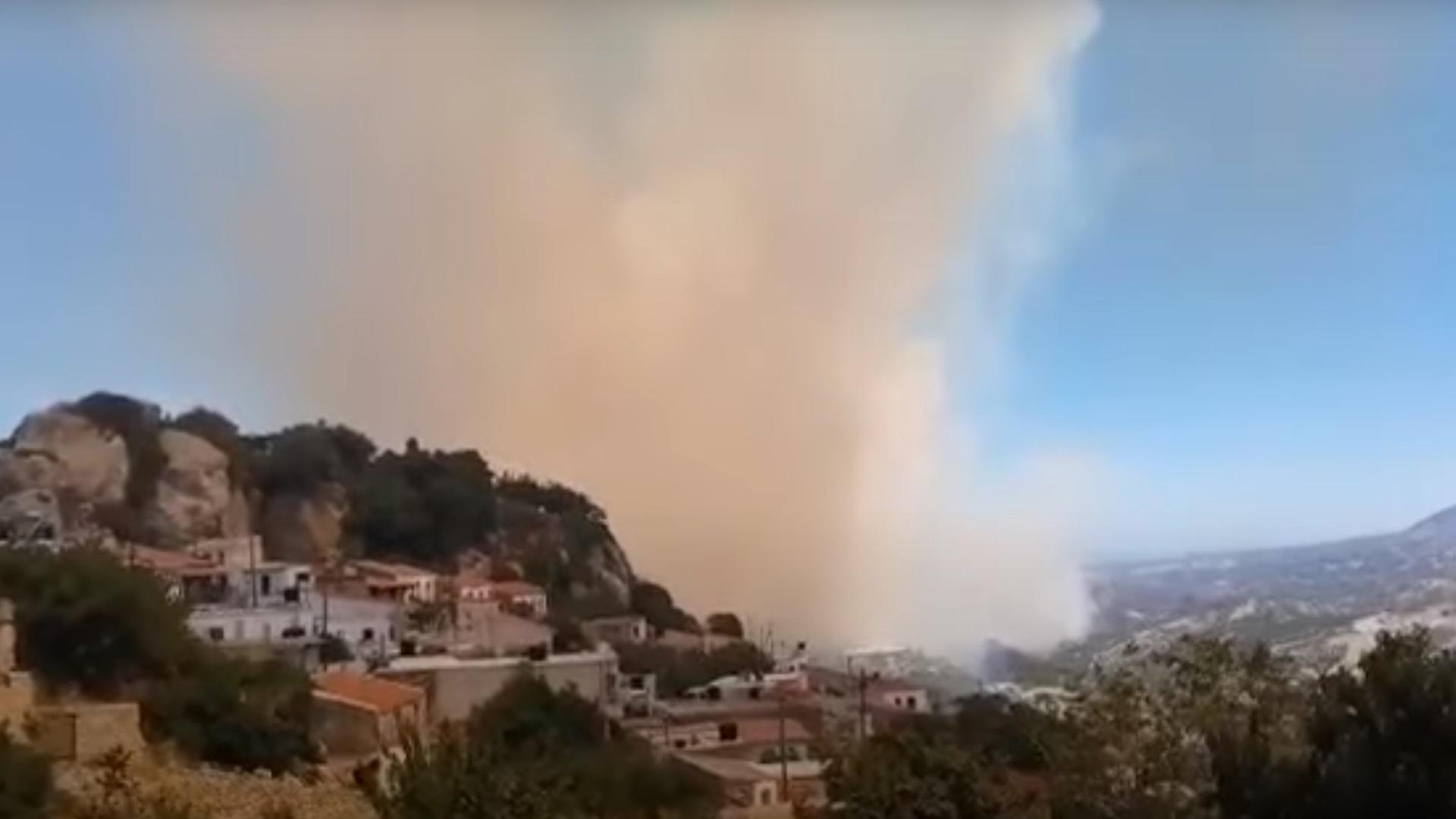 Φωτιά στο Ηράκλειο: Μάχη με τις φλόγες στον Άγιο Θωμά