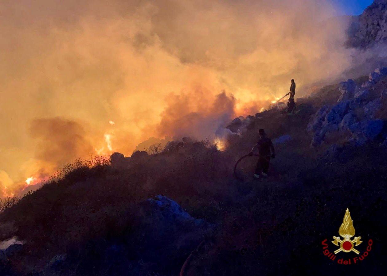 Φωτιές στην Ιταλία: Μέσα σε 8 μήνες ξέσπασαν 472 πυρκαγιές και κάηκαν 1.200.000 στρέμματα δάσους