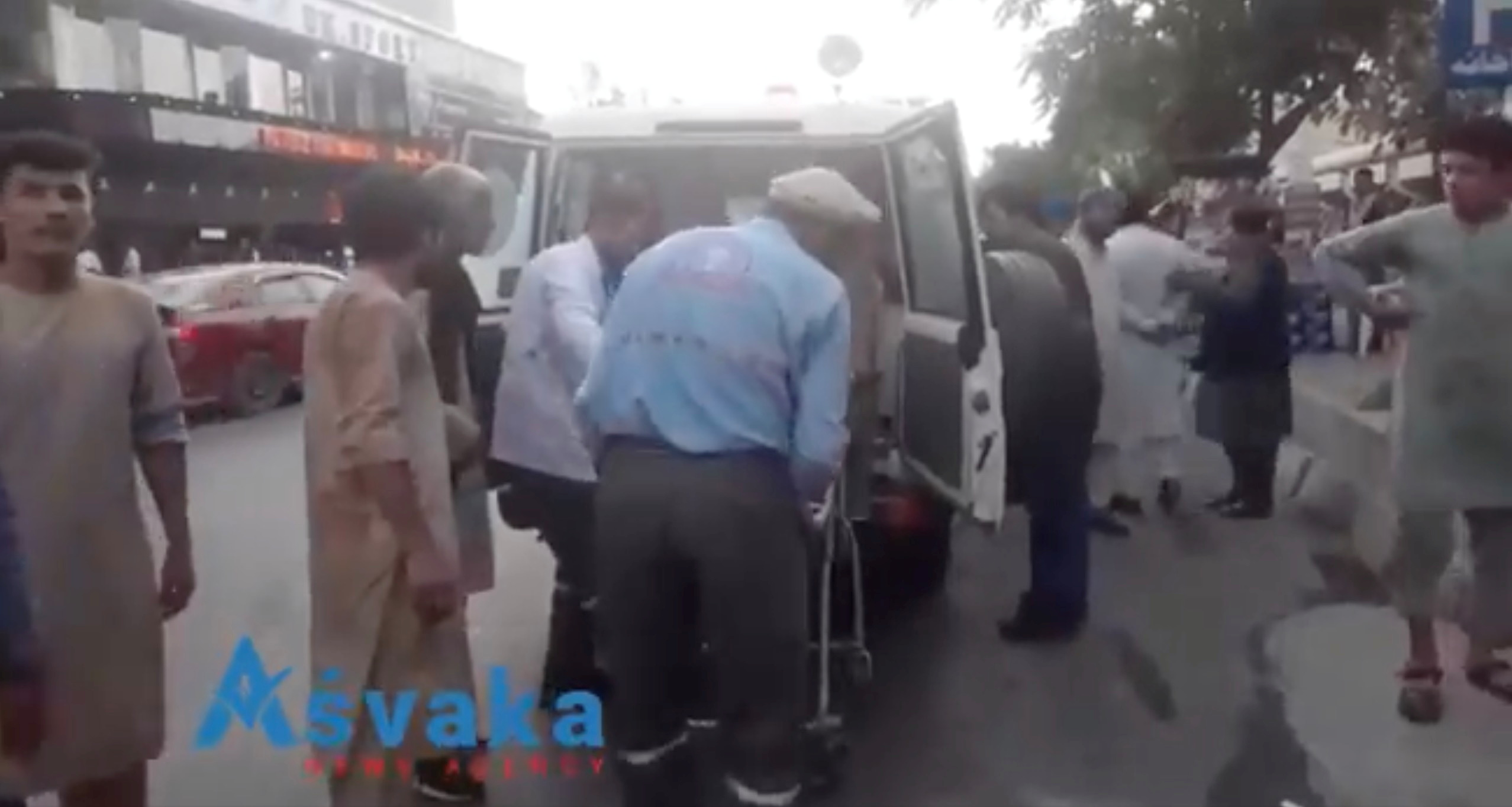 Αφγανιστάν: Μακελειό στη Καμπούλ – Πάνω από 60 νεκροί και 150 τραυματίες – Αναφορές και ακόμη 2 εκρήξεις