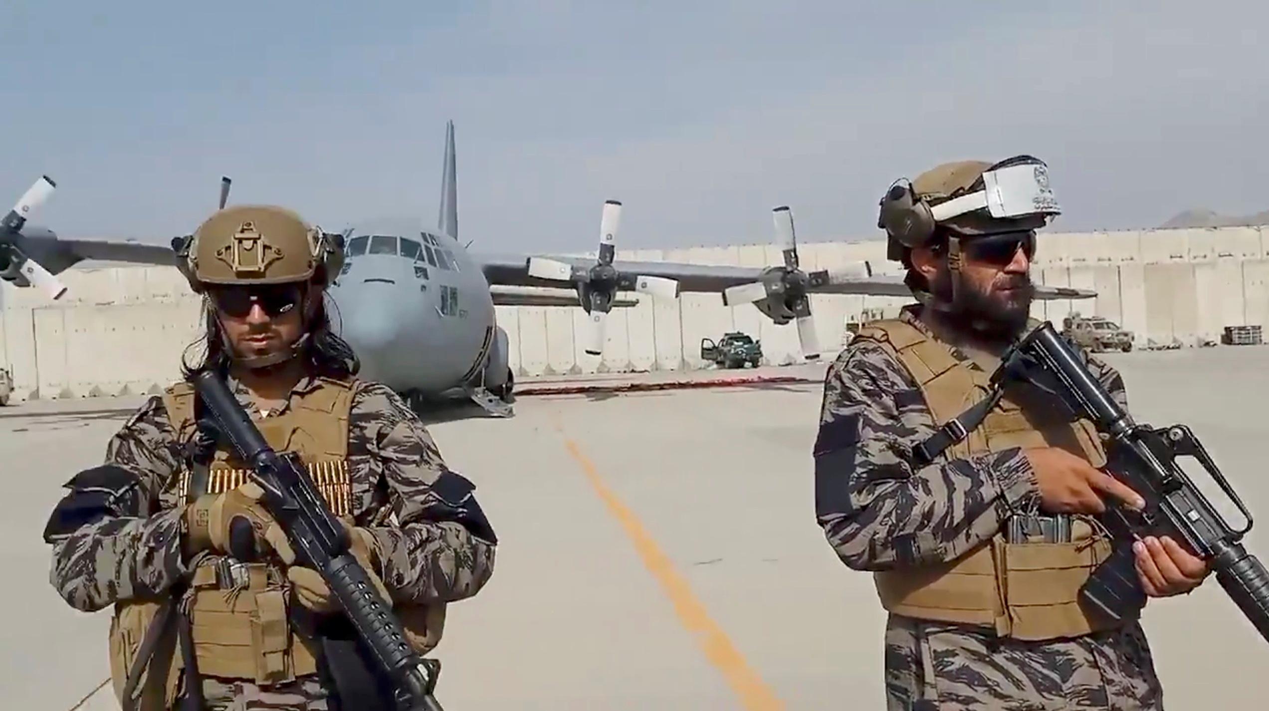 Αφγανιστάν: Κατάρ και Τουρκία συνομιλούν με τους Ταλιμπάν για το αεροδρόμιο της Καμπούλ