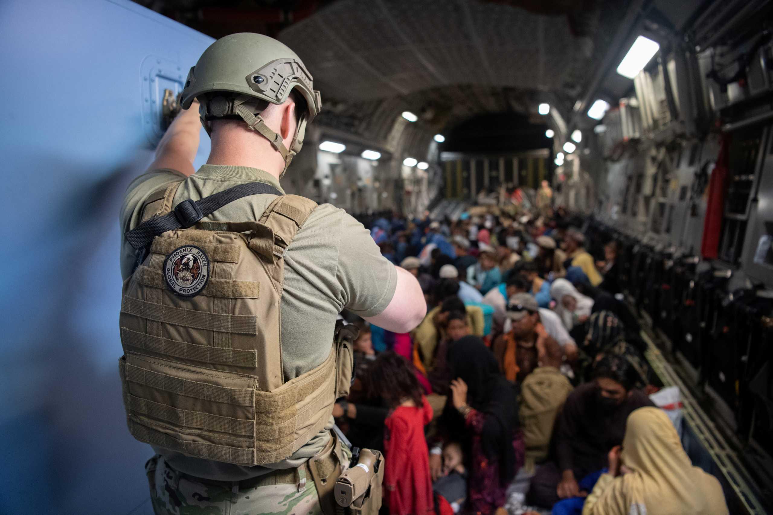 Αφγανιστάν: Οι Ταλιμπάν υπόσχονται ασφάλεια – ΗΠΑ και Βρετανία: Φύγετε από το αεροδρόμιο