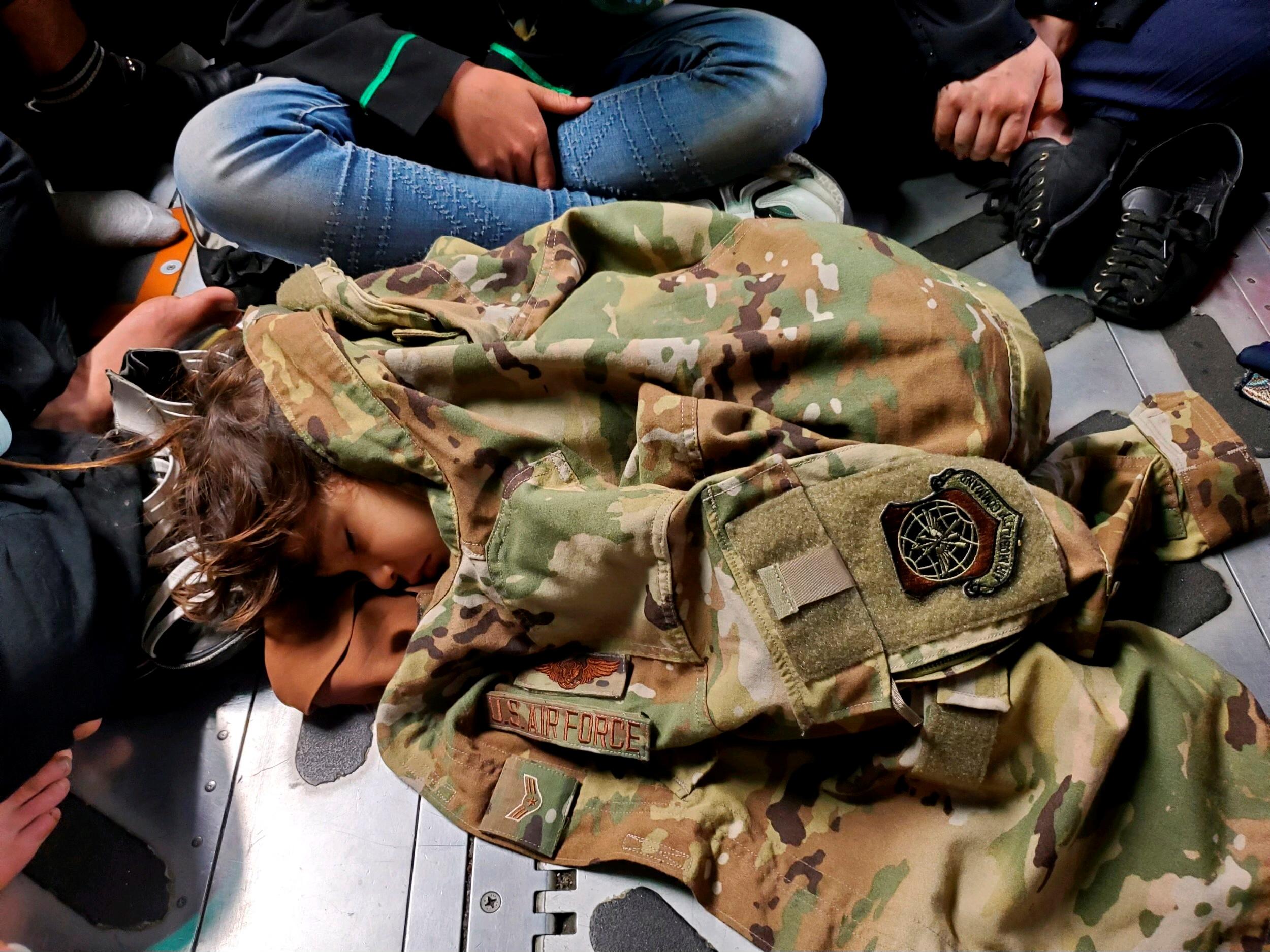 Αφγανιστάν: Και με επιβατικά αεροσκάφη των ΗΠΑ η εκκένωση από την Καμπούλ