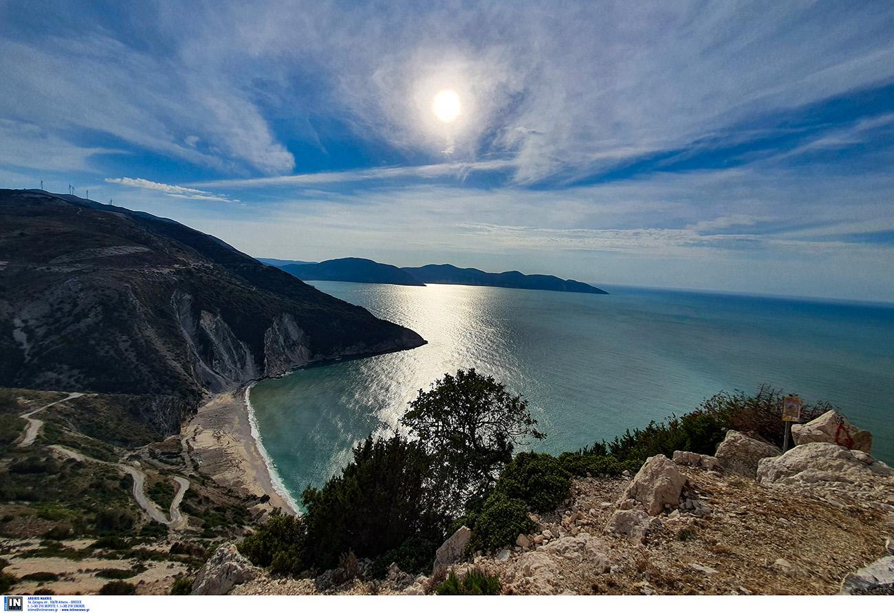 Παραλίες Κεφαλονιάς: Η αμμουδιά που μοιάζει βγαλμένη από παραμύθι