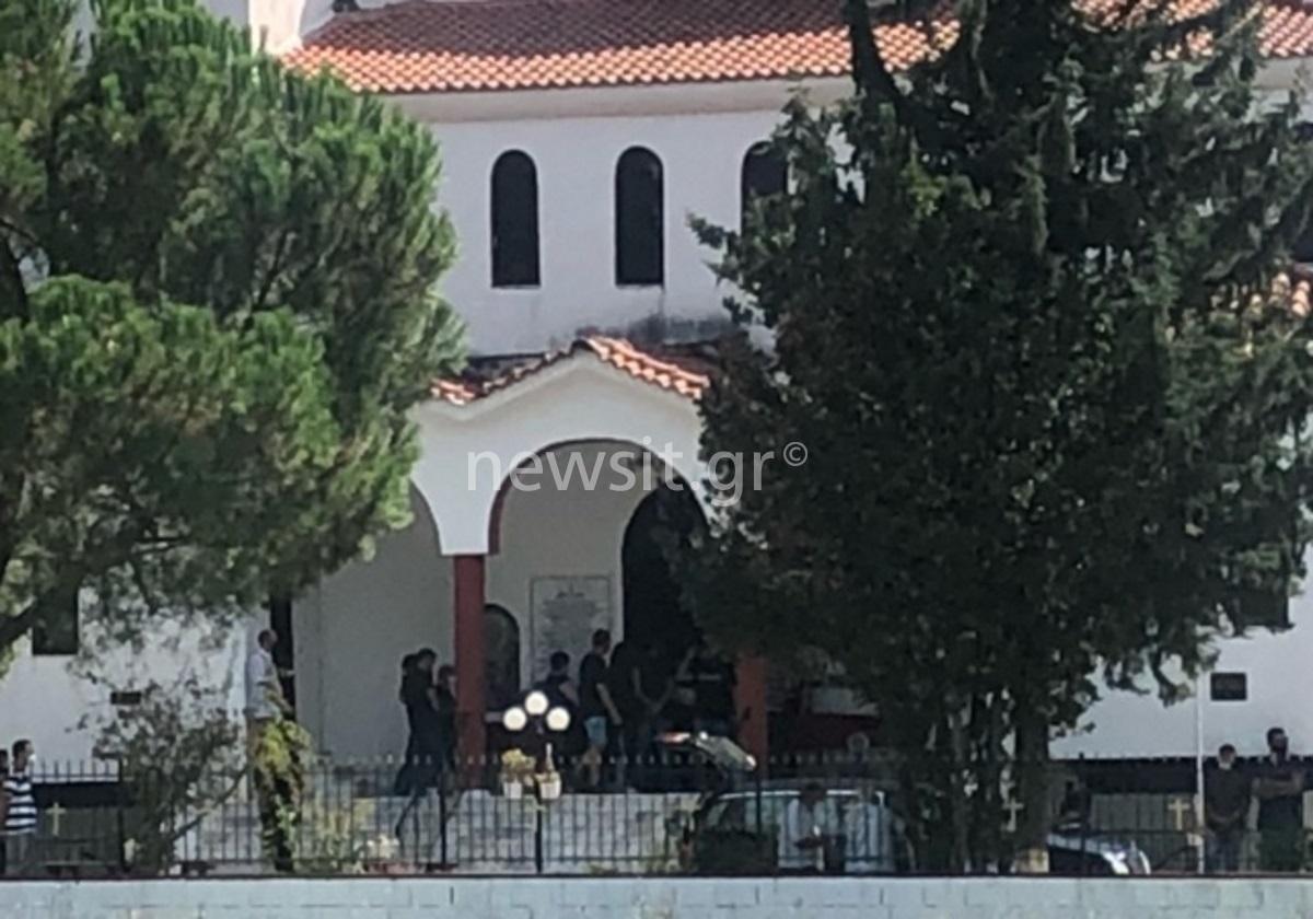Θεσσαλονίκη: Σε κλίμα οδύνης η κηδεία του Μελέτη Καρακετίδη