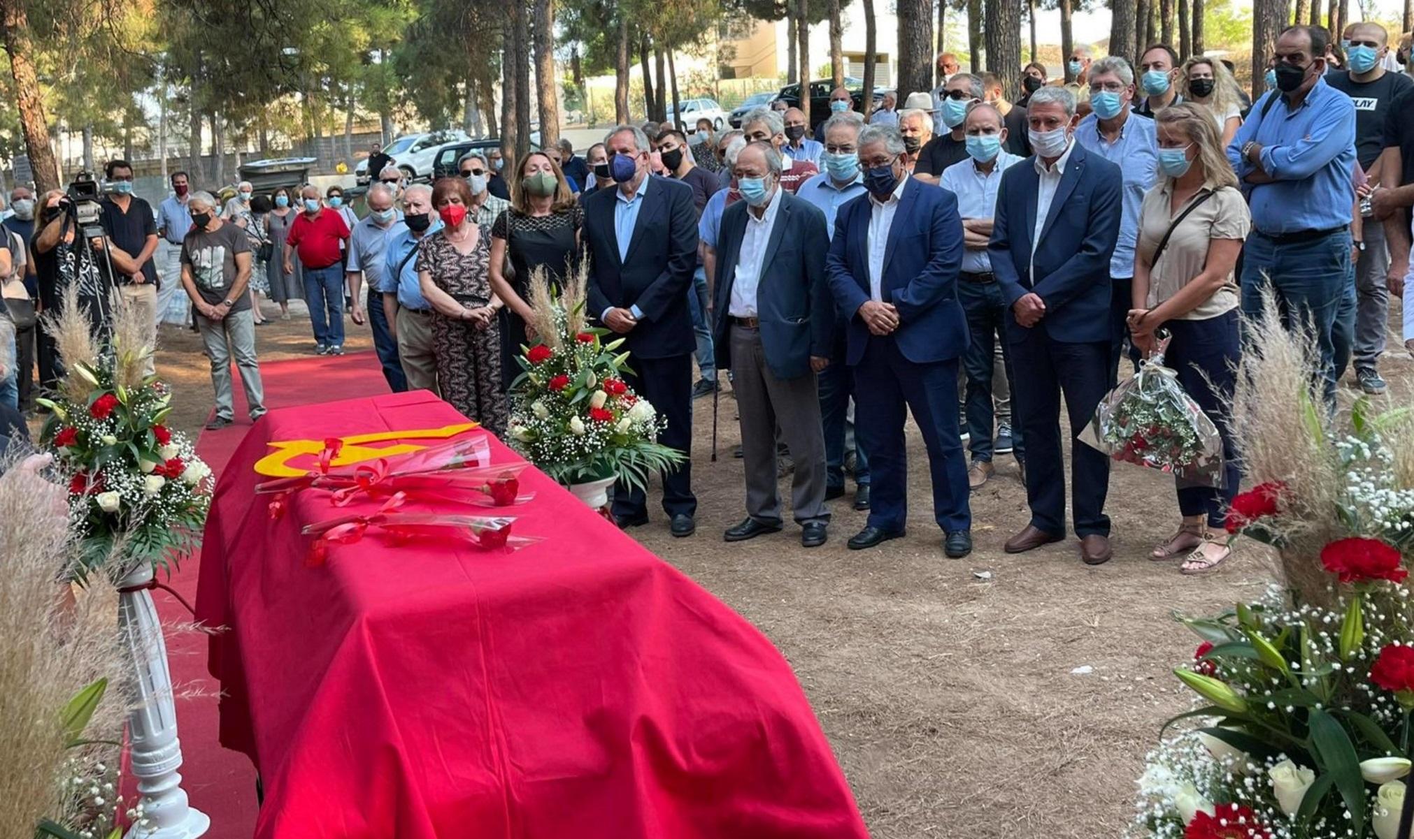 Αντώνης Σκυλλάκος: Σε κλίμα οδύνης το τελευταίο αντίο στο ιστορικό στέλεχος του ΚΚΕ
