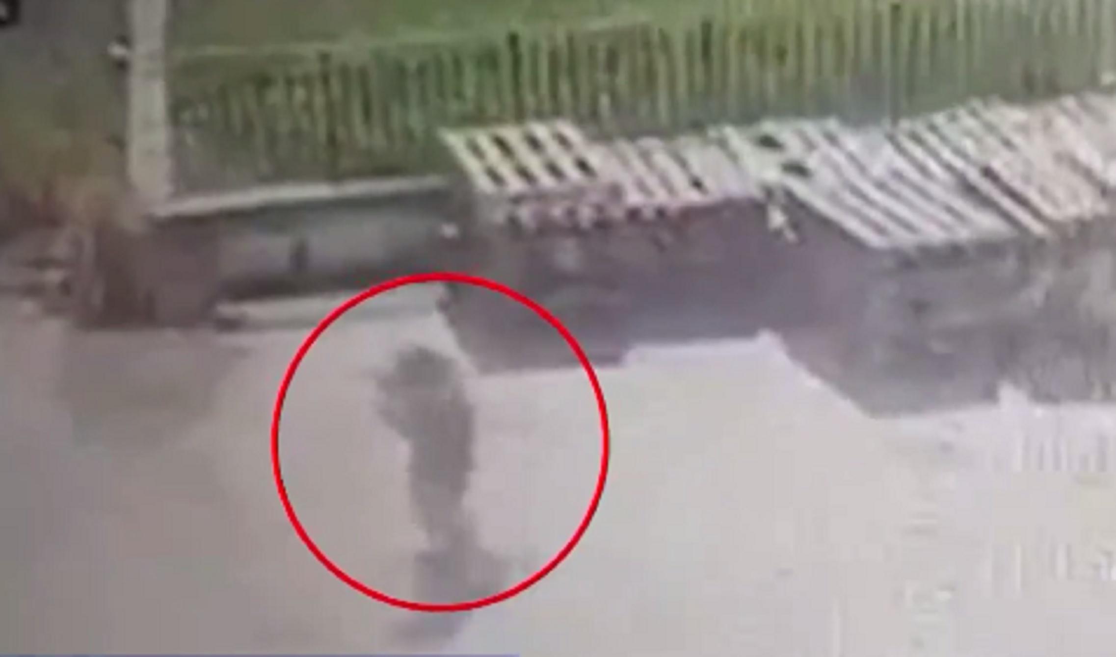 Λακωνία: Έκανε ότι μιλάει στο τηλέφωνο και έκλεψε ένα αυτοκίνητο
