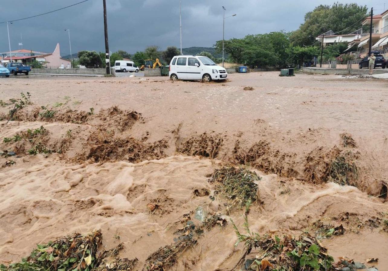 Μετά τον καύσωνα… πλημμύρες σε Λάρισα και Κατερίνη