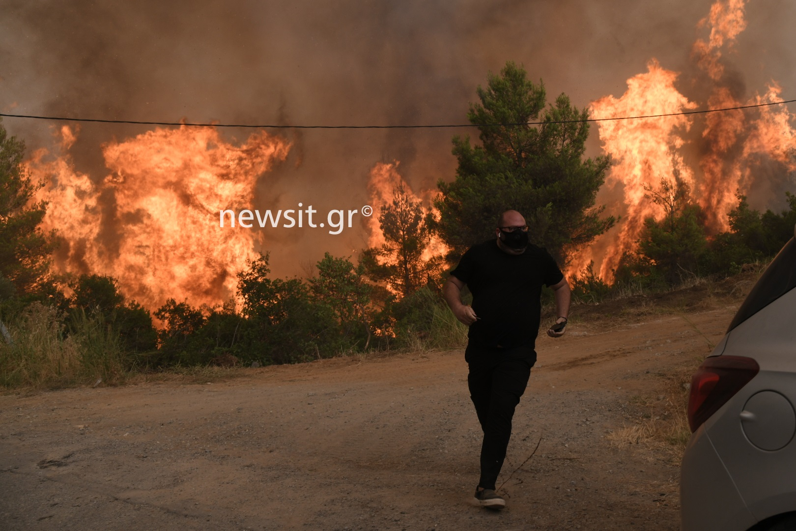 Φωτιά στην Εύβοια: Νέα μεγάλη αναζωπύρωση ανάμεσα σε Γαλατσώνα και Αβγαριά