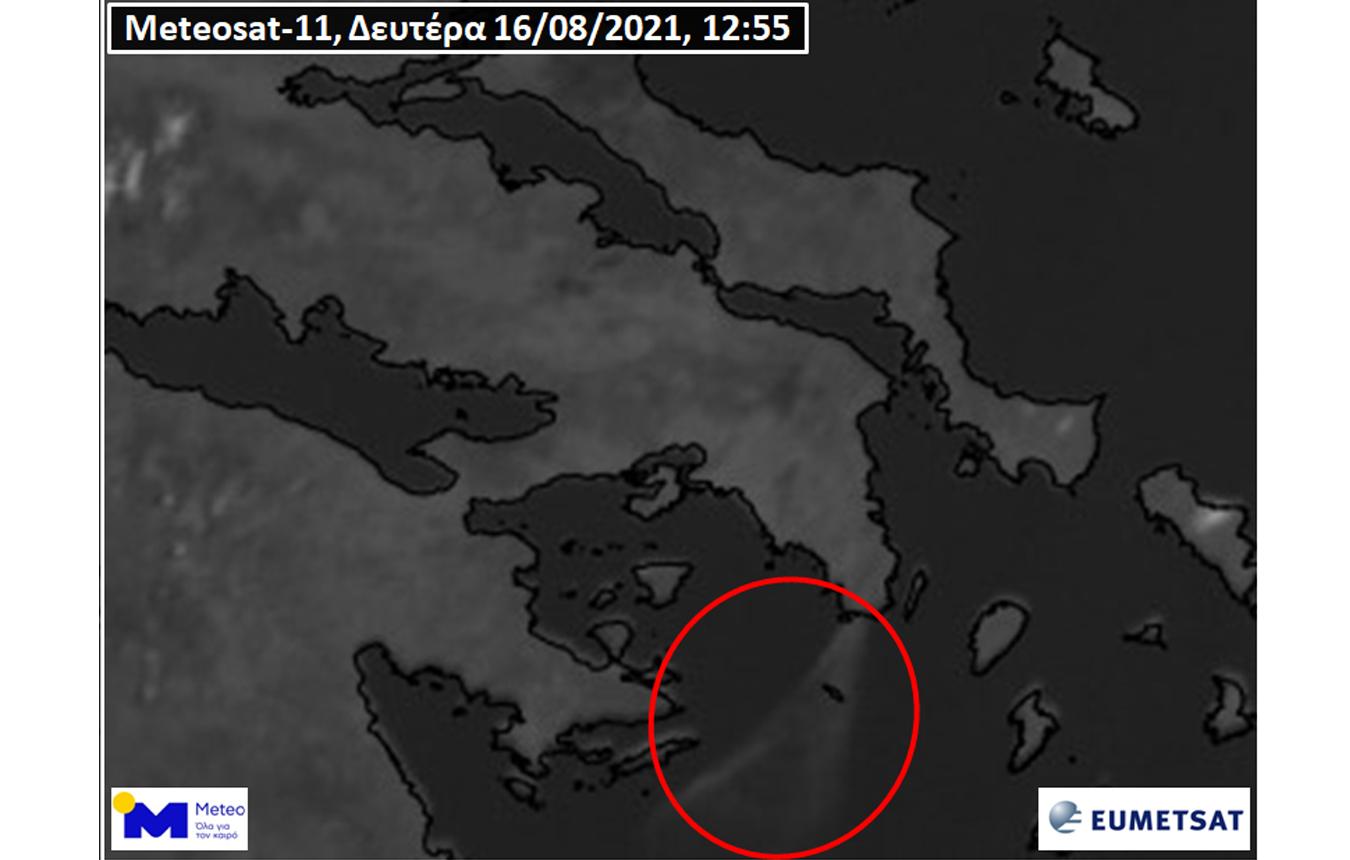 Φωτιά στην Κερατέα – Meteo: Ορατός από το διάστημα ο καπνός