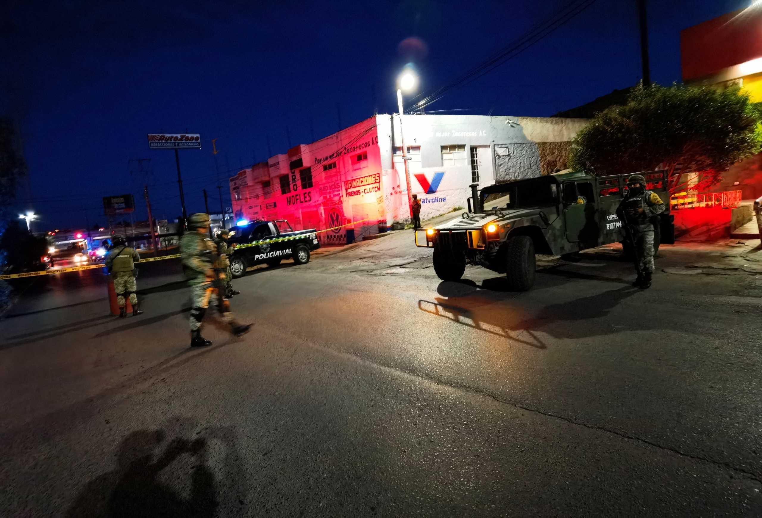 Μεξικό: Φρίκη στην Σακατέκας – 6 πτώματα βρέθηκαν κρεμασμένα σε γέφυρα – ΠΡΟΣΟΧΗ ΣΚΛΗΡΕΣ ΕΙΚΟΝΕΣ