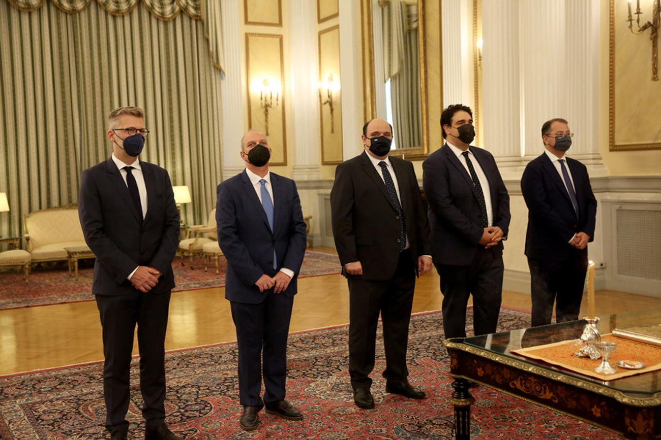 Μίνι ανασχηματισμός: Η ορκωμοσία των νέων υπουργών