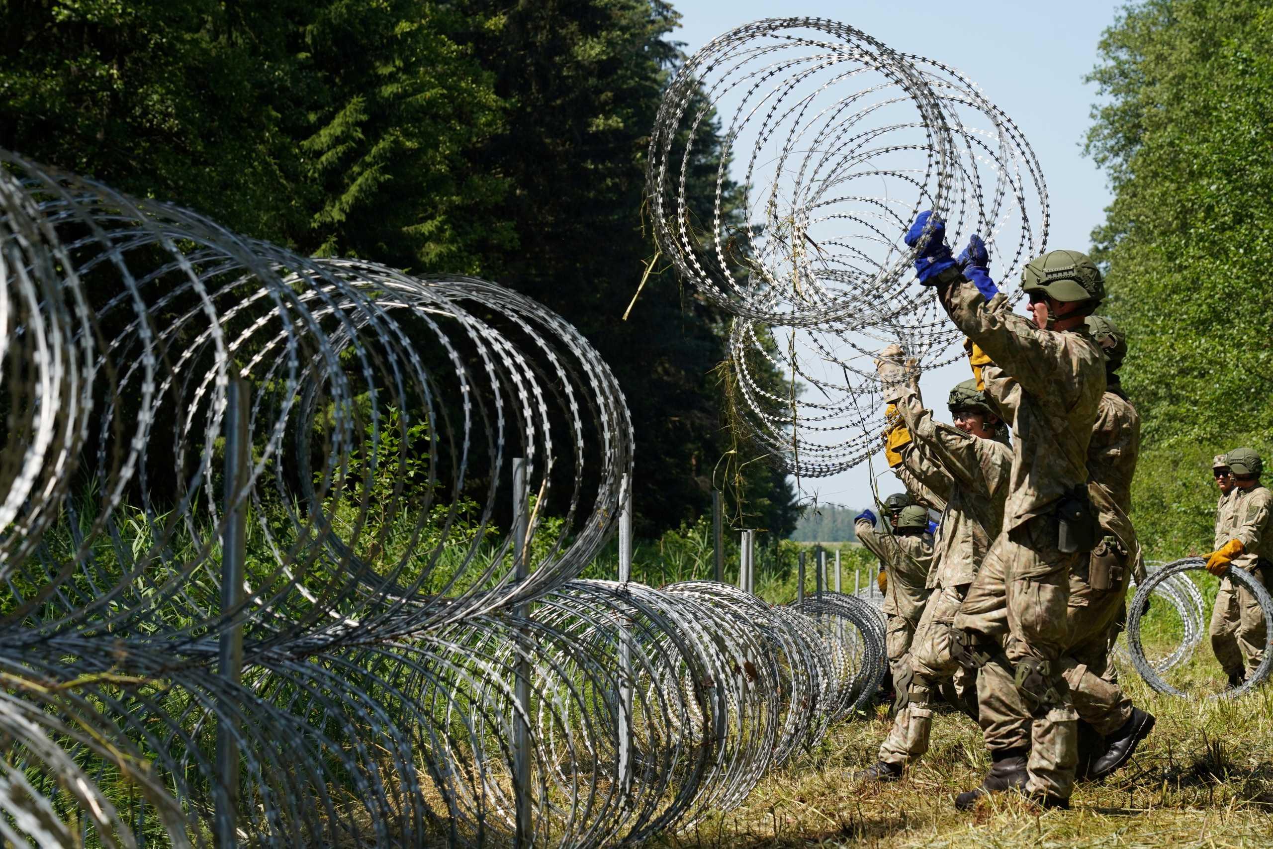 Πολωνία: Θα κατασκευάσει τείχος αξίας 400 εκατ. δολαρίων στα σύνορα με τη Λευκορωσία